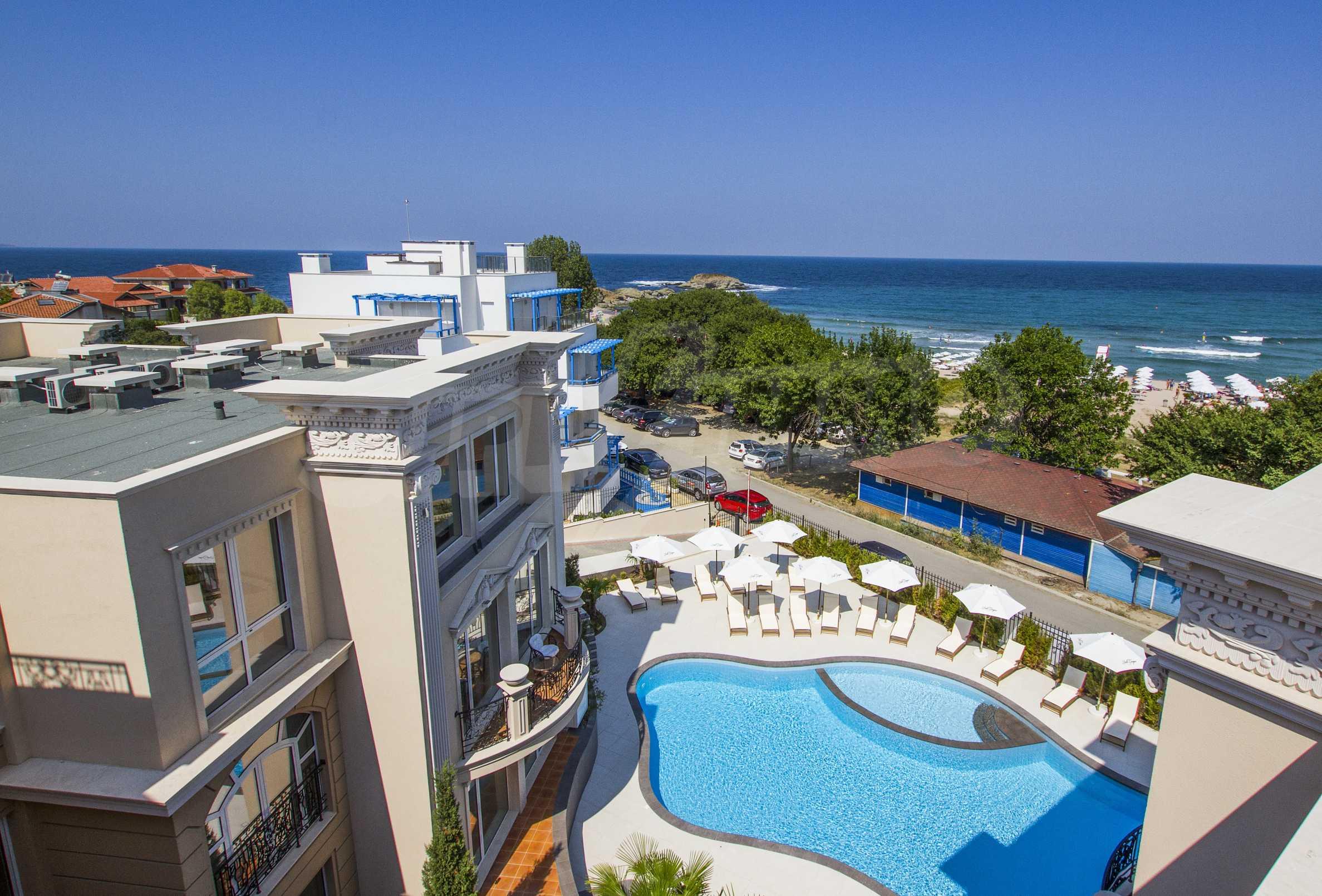 Стилен двустаен апартамент под наем в Belle Époque Beach Residence 17
