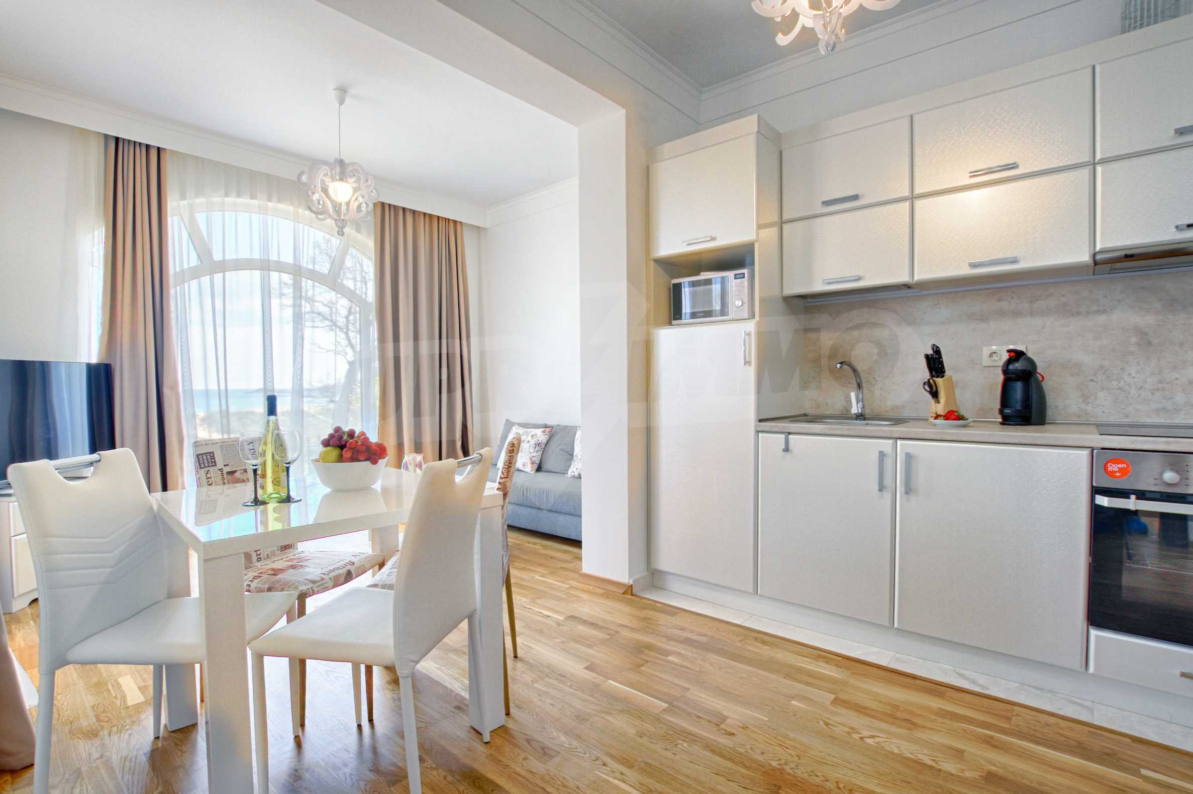 Стилен двустаен апартамент под наем в Belle Époque Beach Residence 1