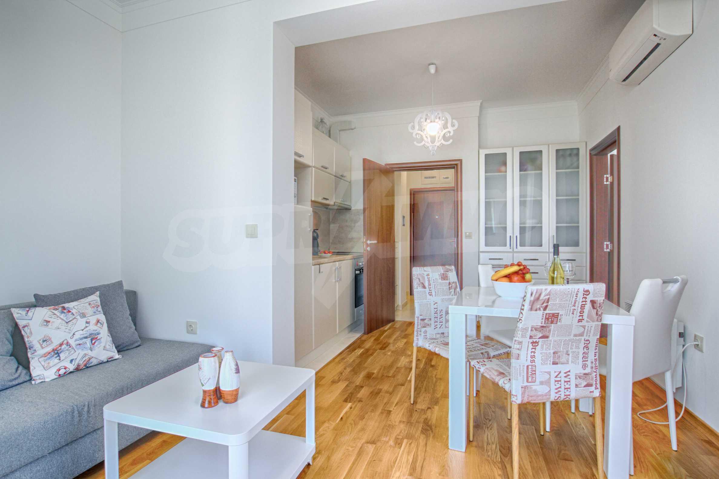 Стилен двустаен апартамент под наем в Belle Époque Beach Residence 3