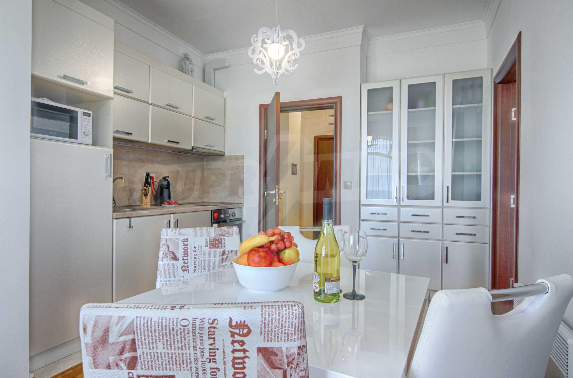 Стилен двустаен апартамент под наем в Belle Époque Beach Residence 4