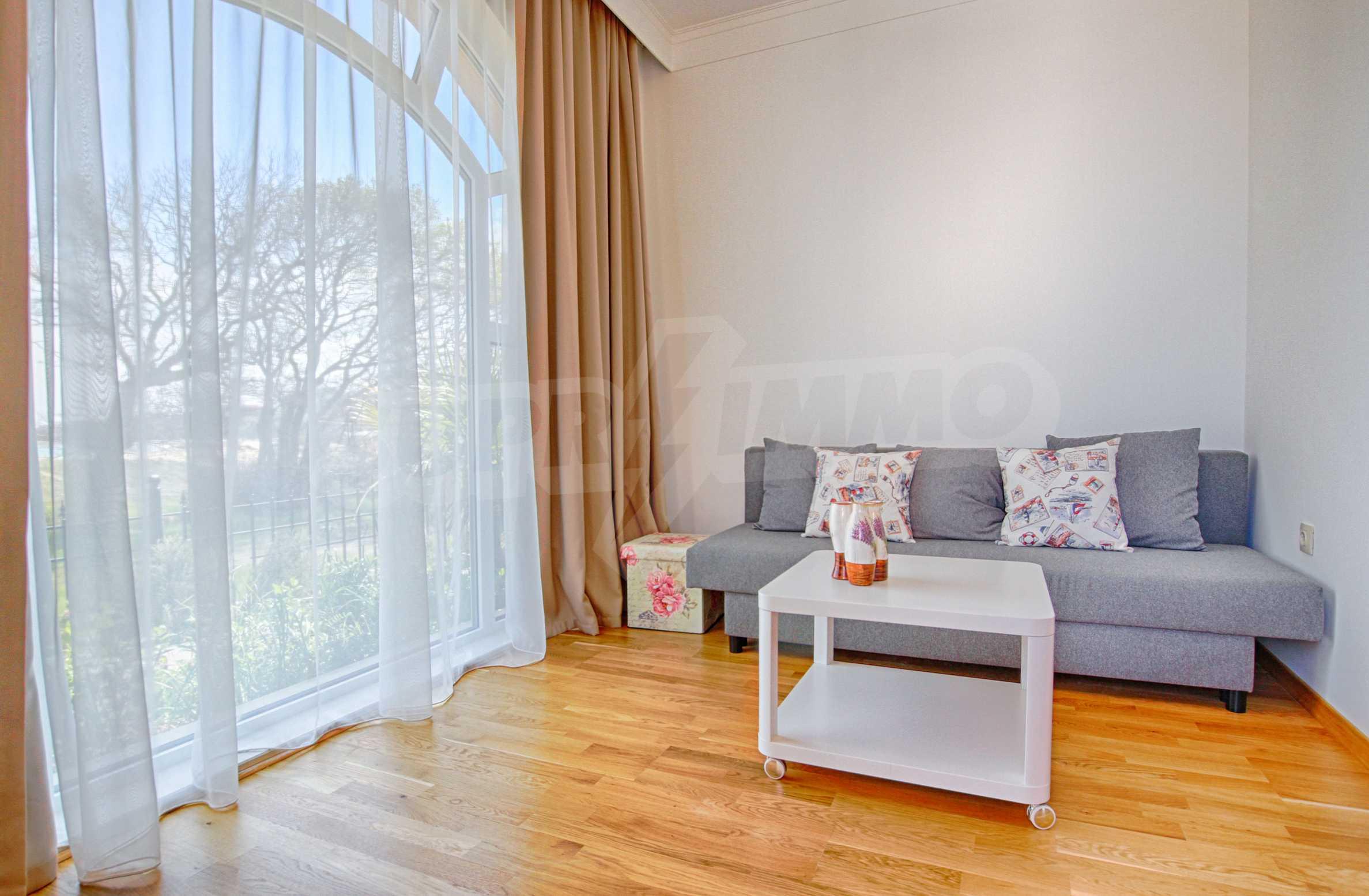 Стилен двустаен апартамент под наем в Belle Époque Beach Residence 5