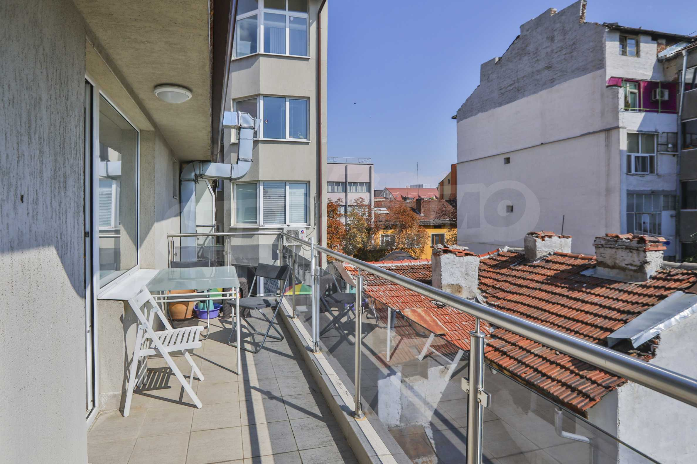 Two-bedroom apartment in the center with high rating on Airbnb 9