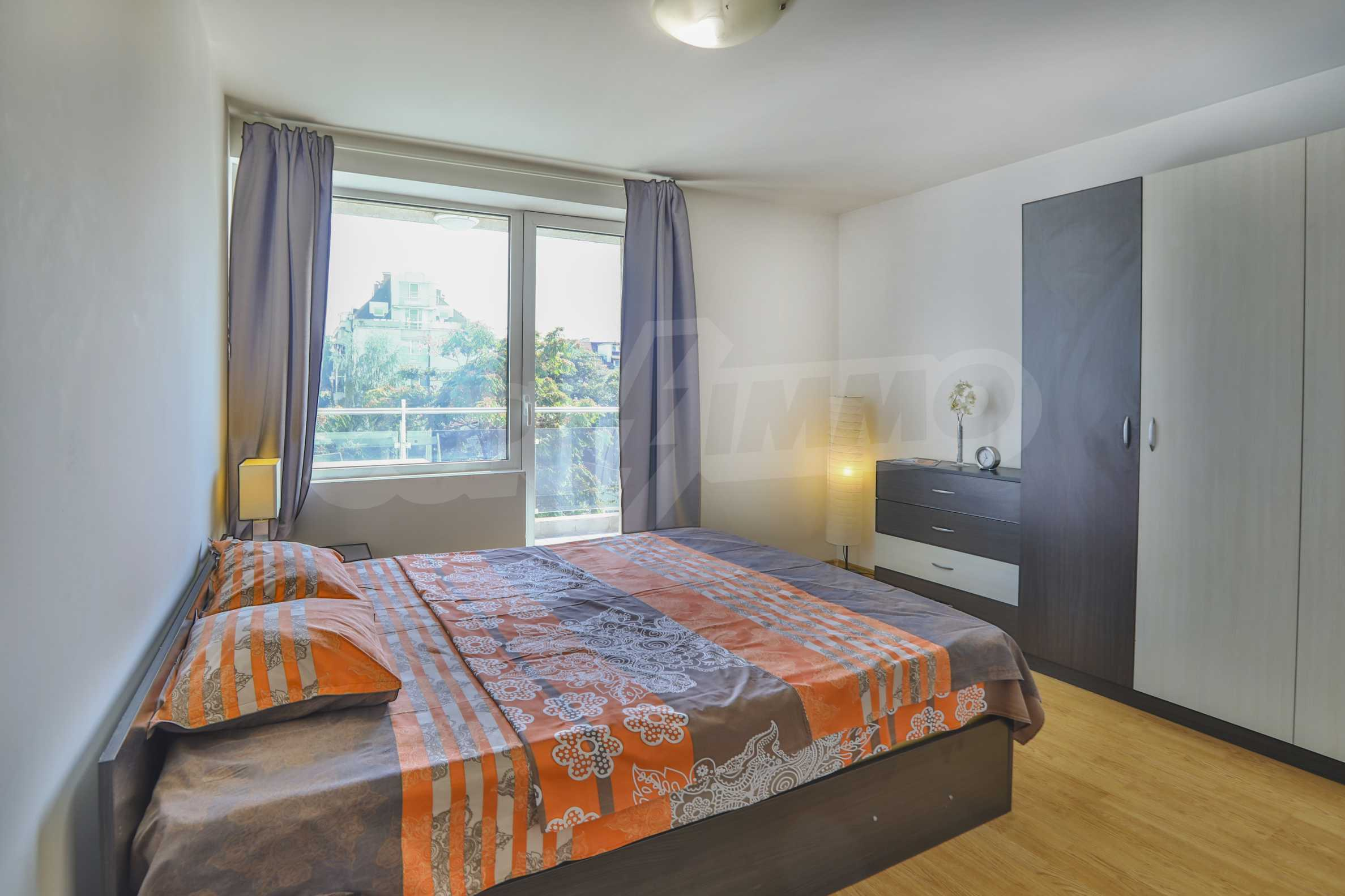 Two-bedroom apartment in the center with high rating on Airbnb 11
