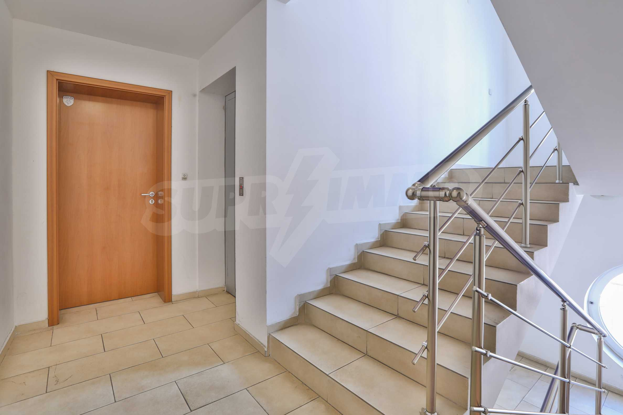 Two-bedroom apartment in the center with high rating on Airbnb 16