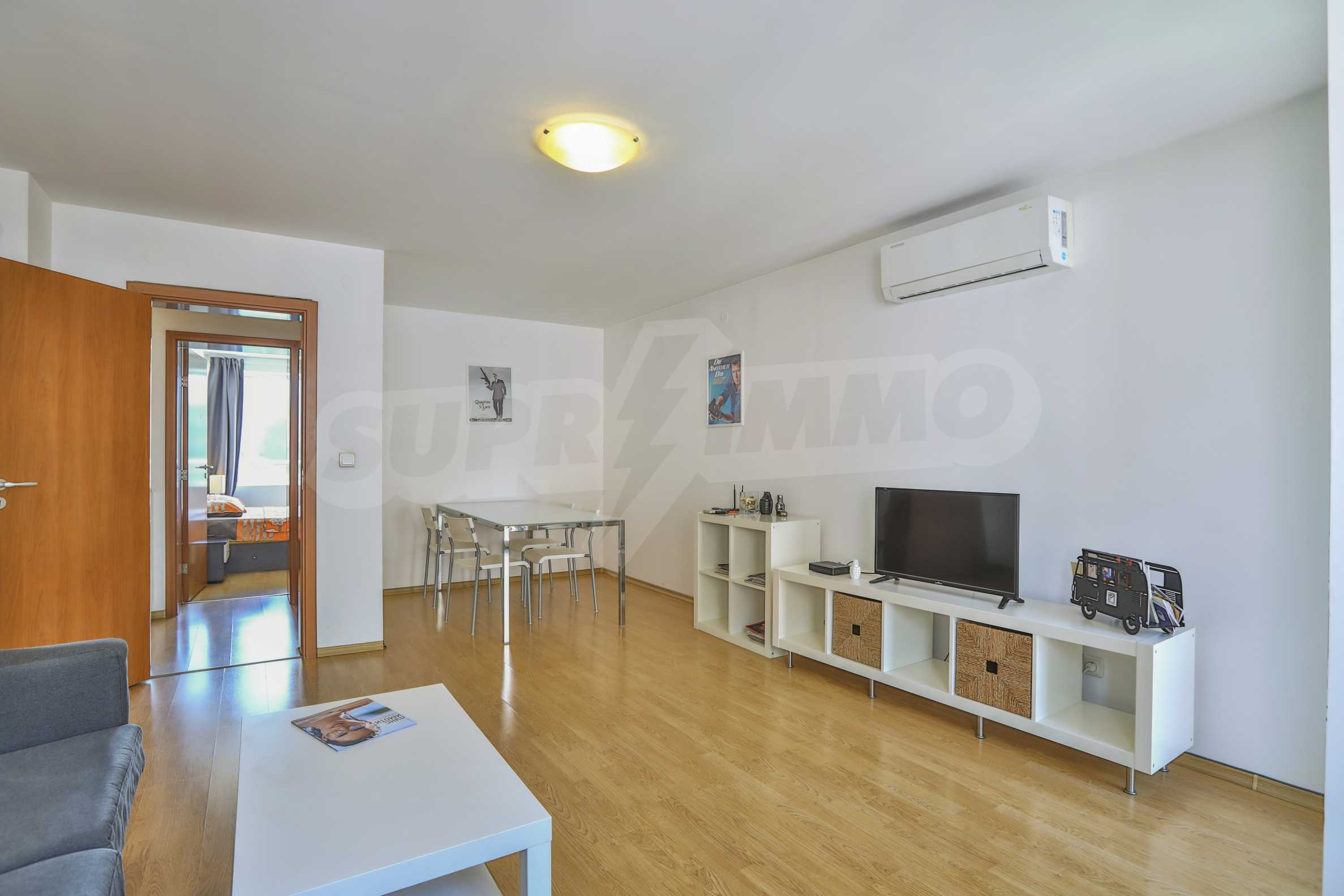 Two-bedroom apartment in the center with high rating on Airbnb 1
