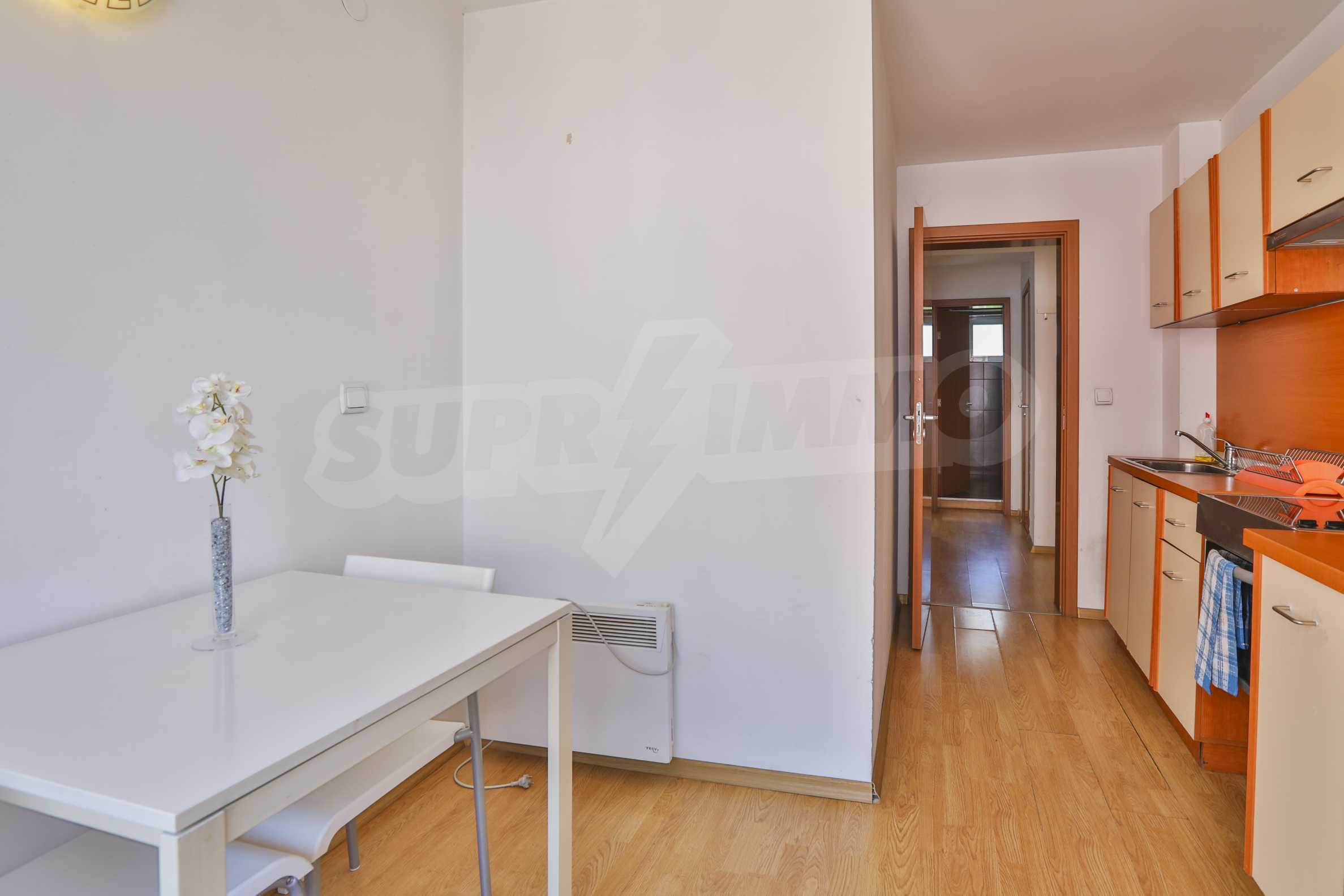 Two-bedroom apartment in the center with high rating on Airbnb 4