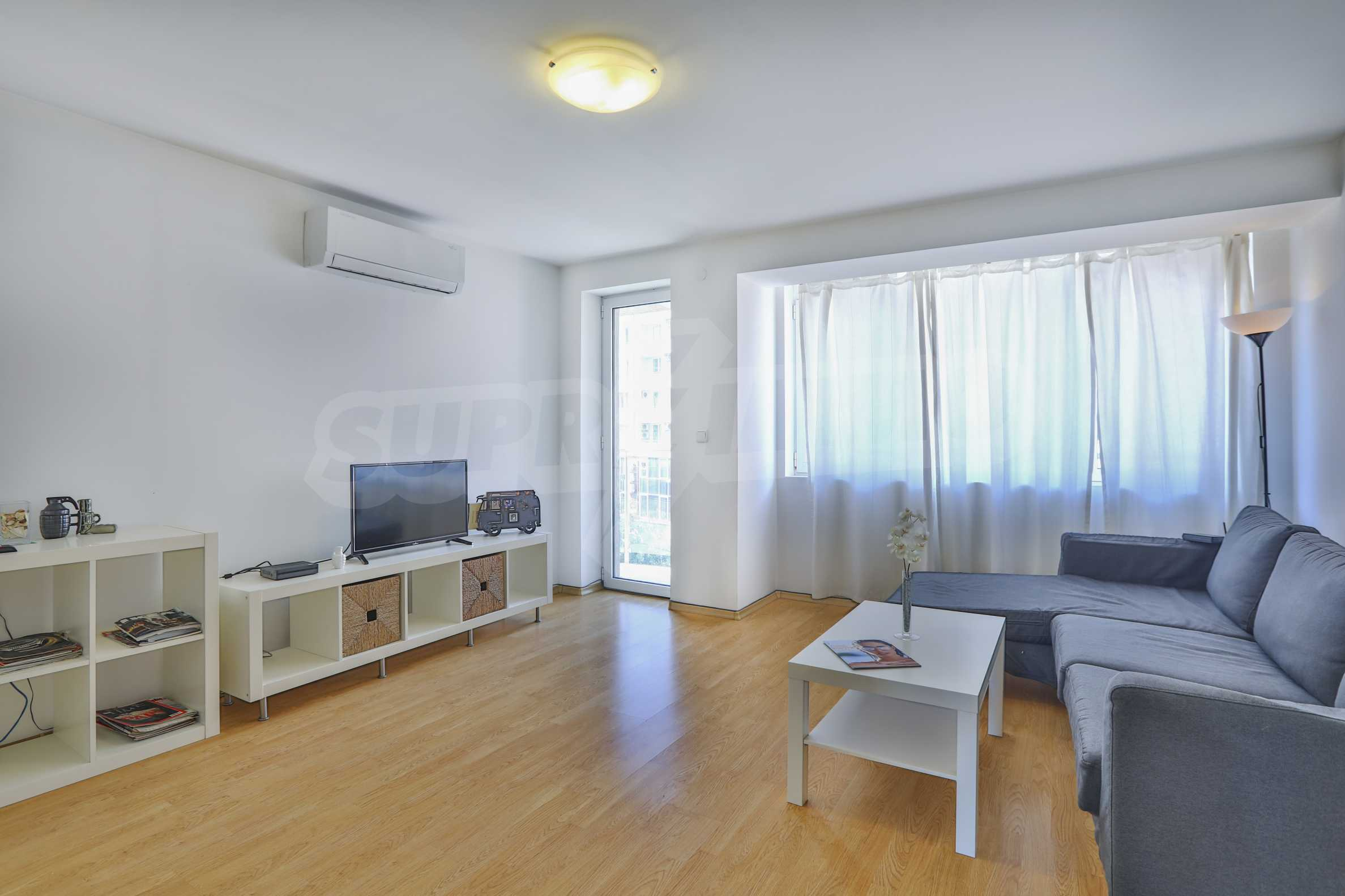 Two-bedroom apartment in the center with high rating on Airbnb 6