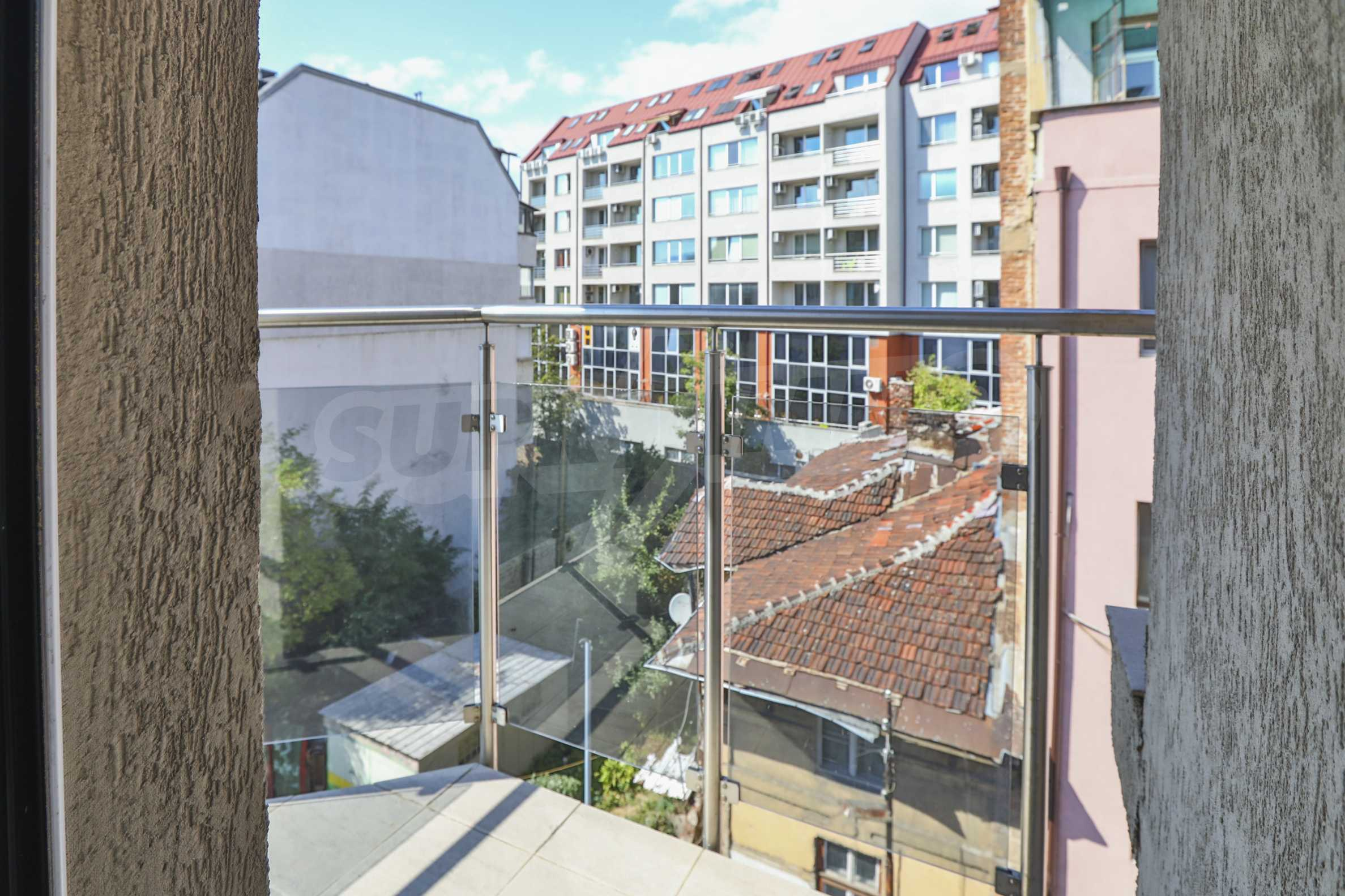 Two-bedroom apartment in the center with high rating on Airbnb 7