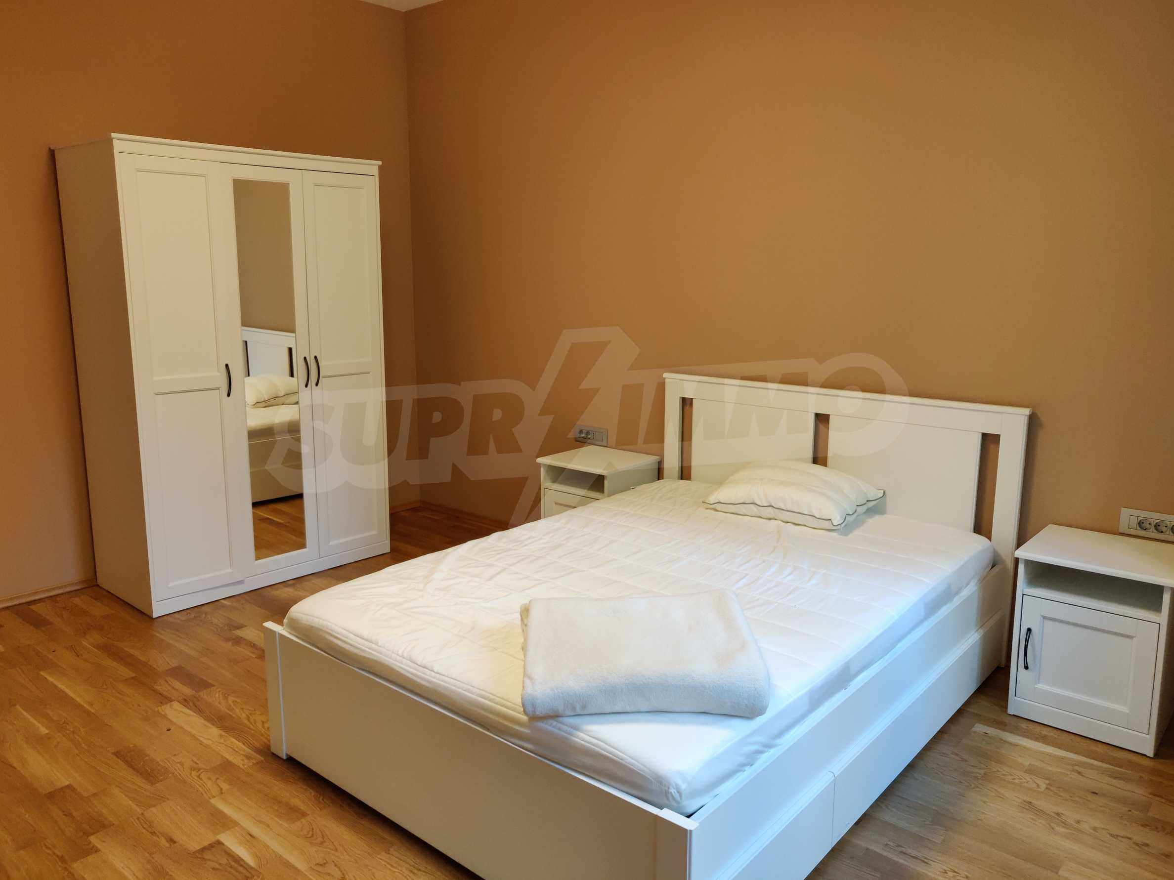 Three bedroom apartment in the center of Sofia 14