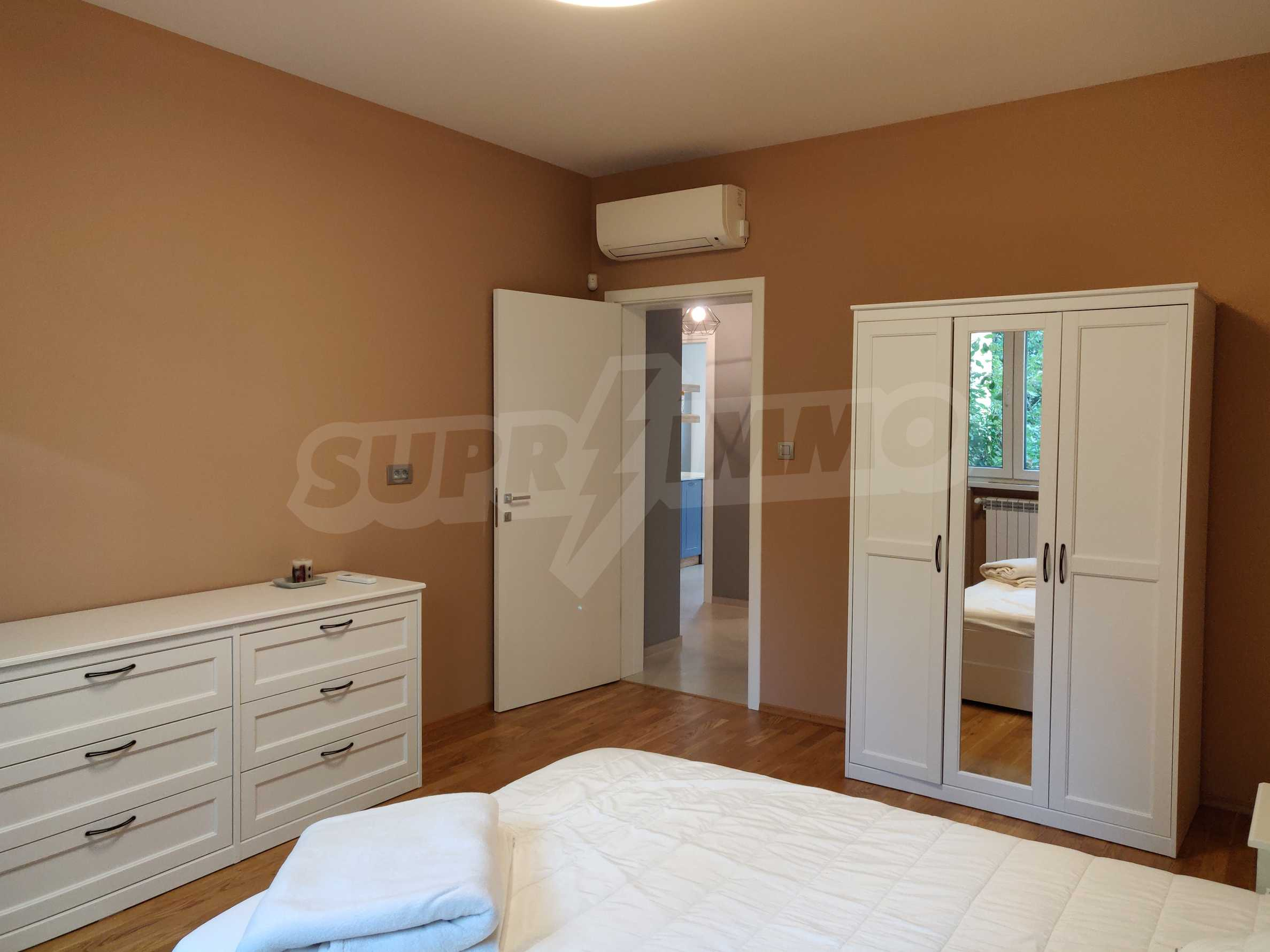 Three bedroom apartment in the center of Sofia 15