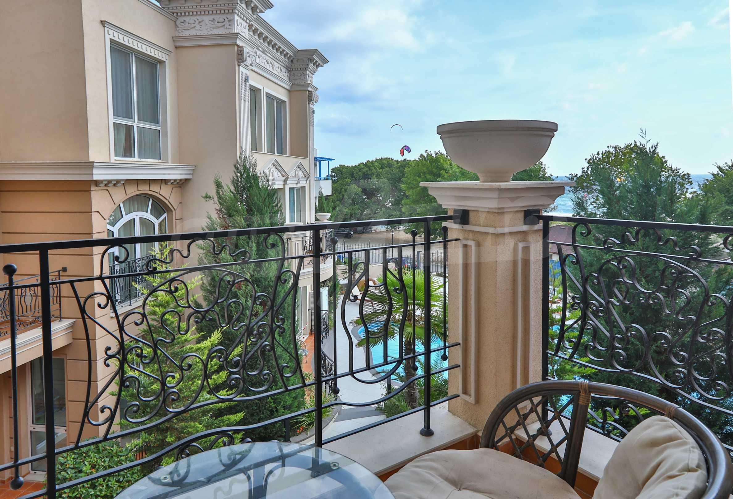Exclusive 2-bedroom beachfront apartment in the prestigious Belle Époque Beach Residence 11
