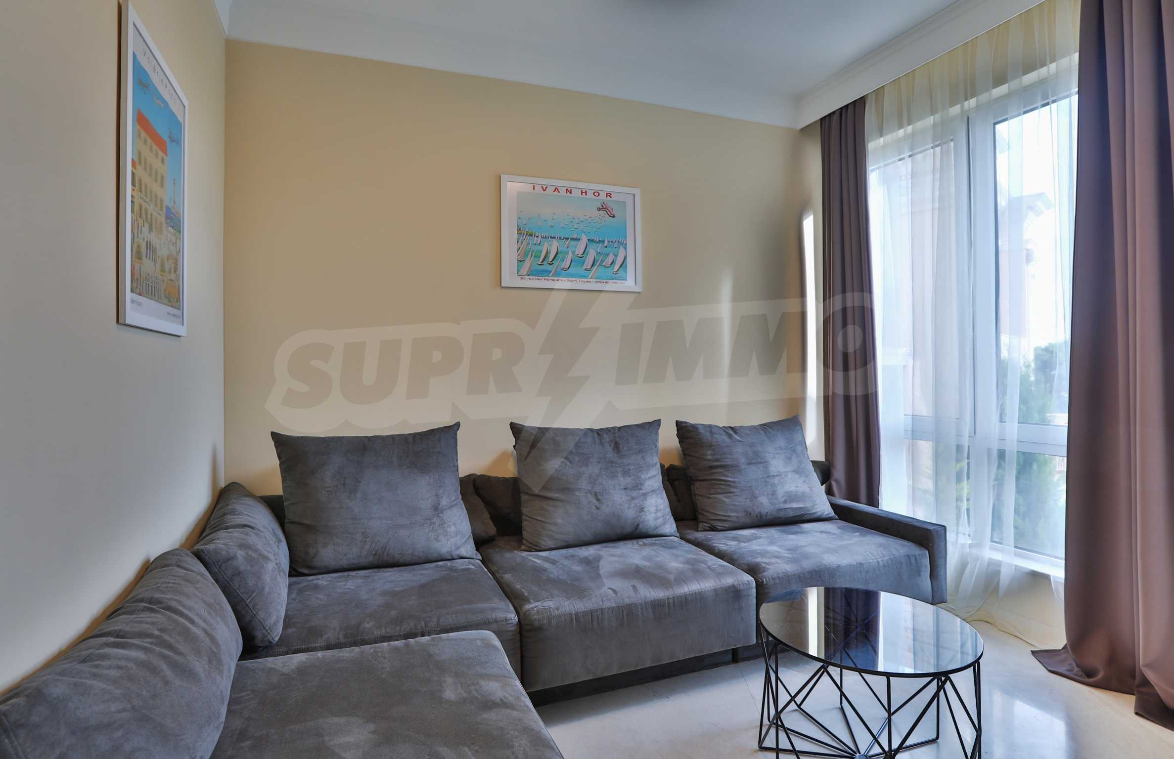 Exclusive 2-bedroom beachfront apartment in the prestigious Belle Époque Beach Residence 14