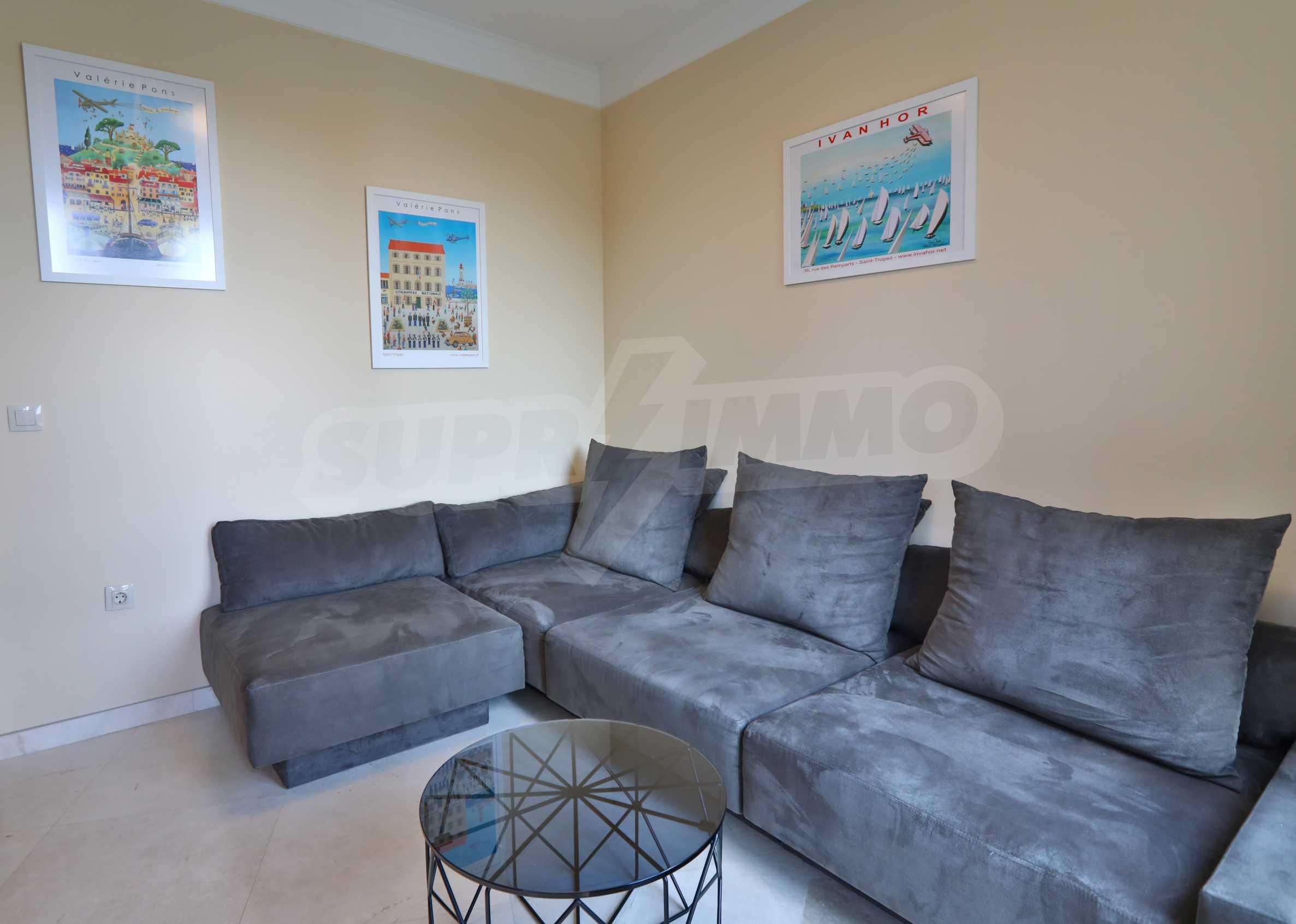 Exclusive 2-bedroom beachfront apartment in the prestigious Belle Époque Beach Residence 15