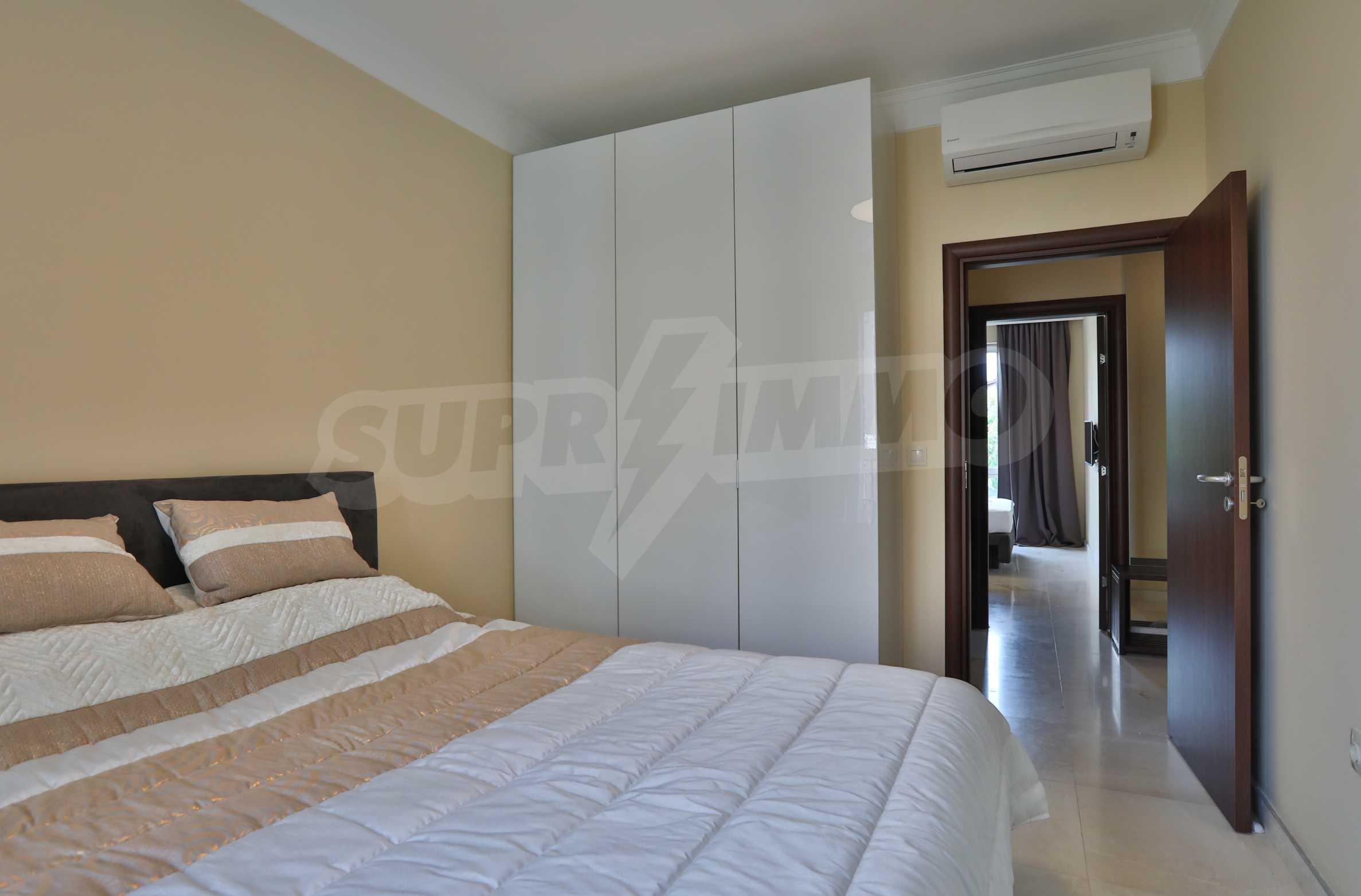 Дизайнерски апартамент с 2 спални в луксозната морска резиденция Belle Époque в Лозенец 16