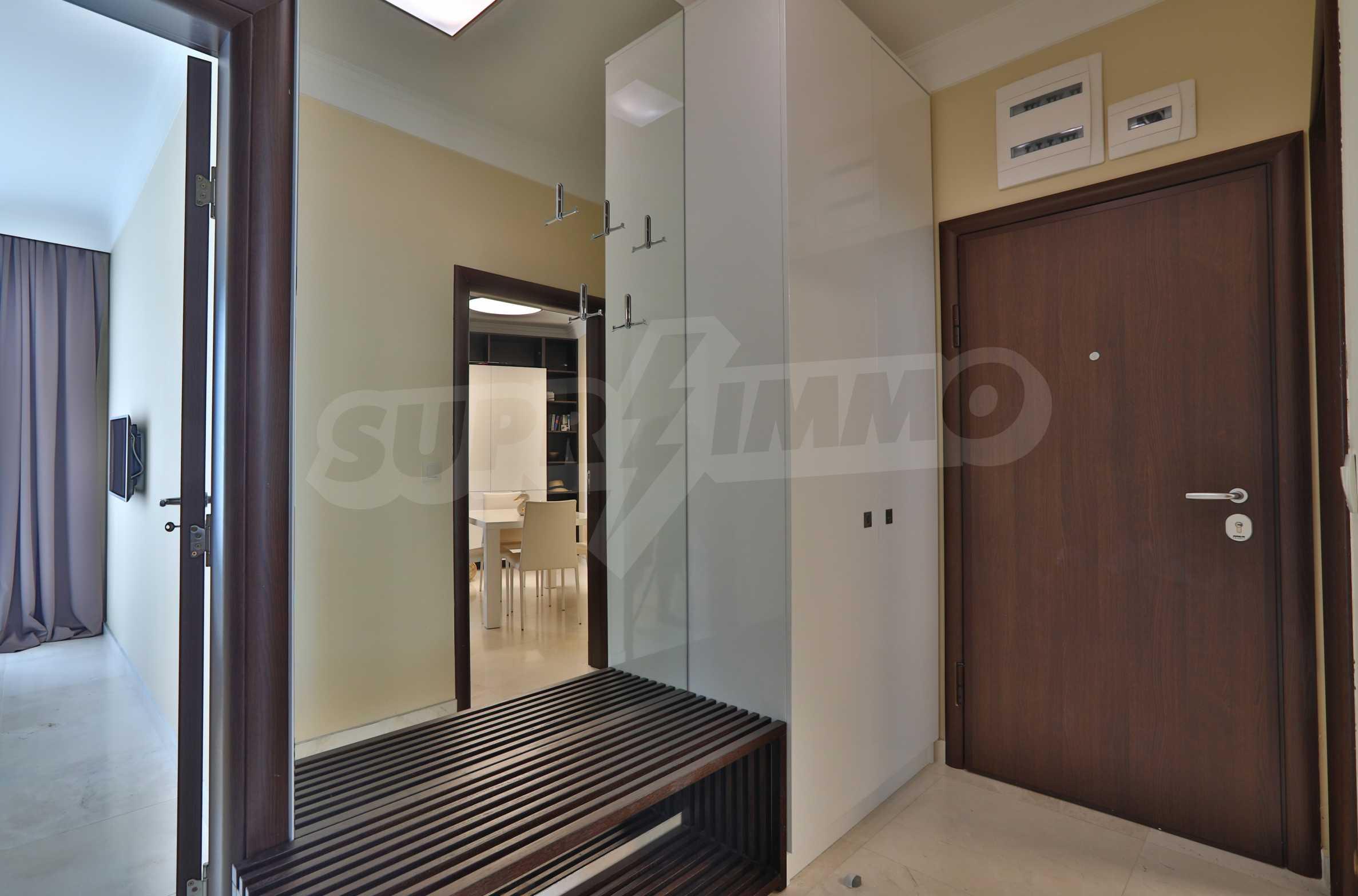 Дизайнерски апартамент с 2 спални в луксозната морска резиденция Belle Époque в Лозенец 25