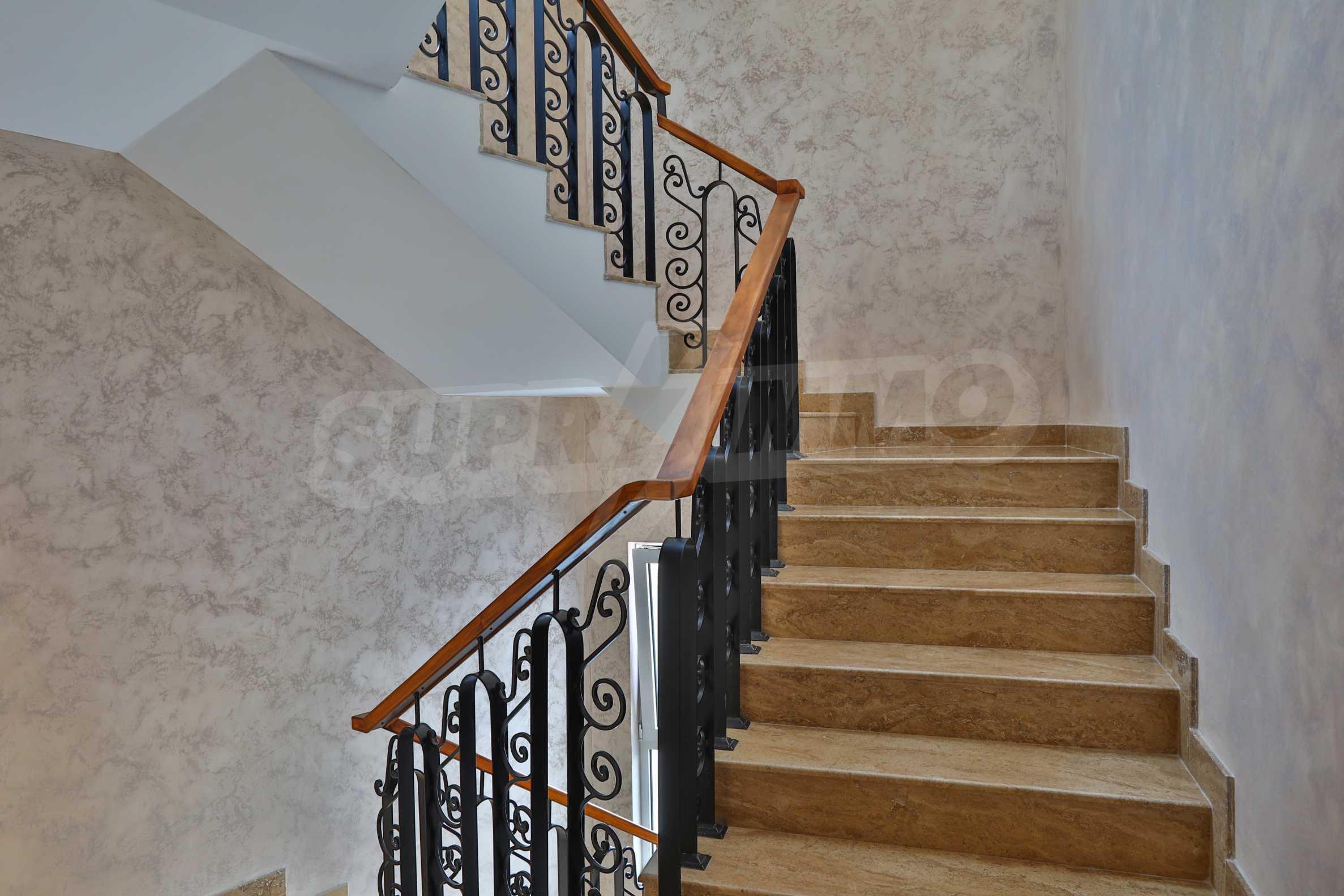 Дизайнерски апартамент с 2 спални в луксозната морска резиденция Belle Époque в Лозенец 29