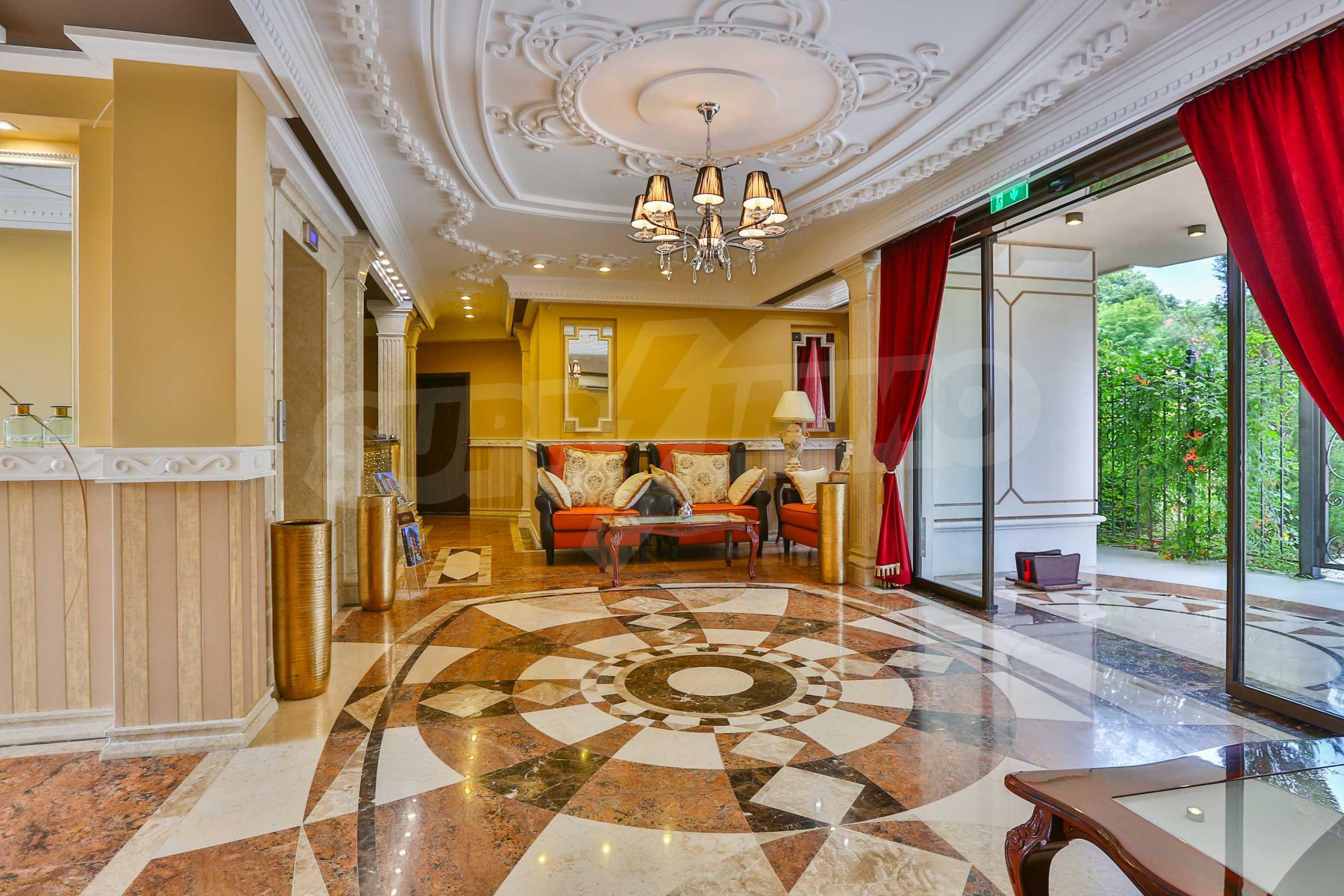 Дизайнерски апартамент с 2 спални в луксозната морска резиденция Belle Époque в Лозенец 34
