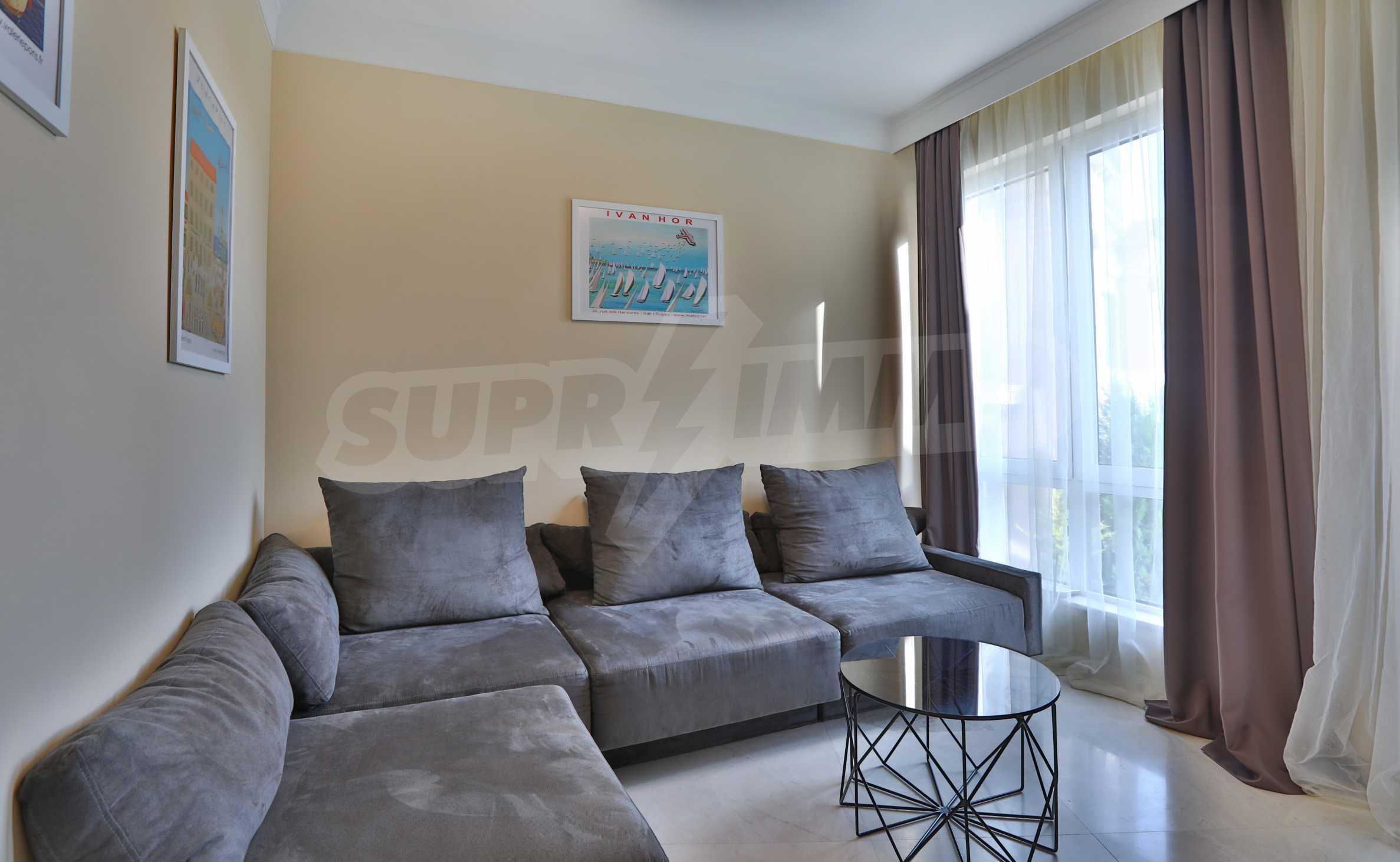 Дизайнерски апартамент с 2 спални в луксозната морска резиденция Belle Époque в Лозенец 4