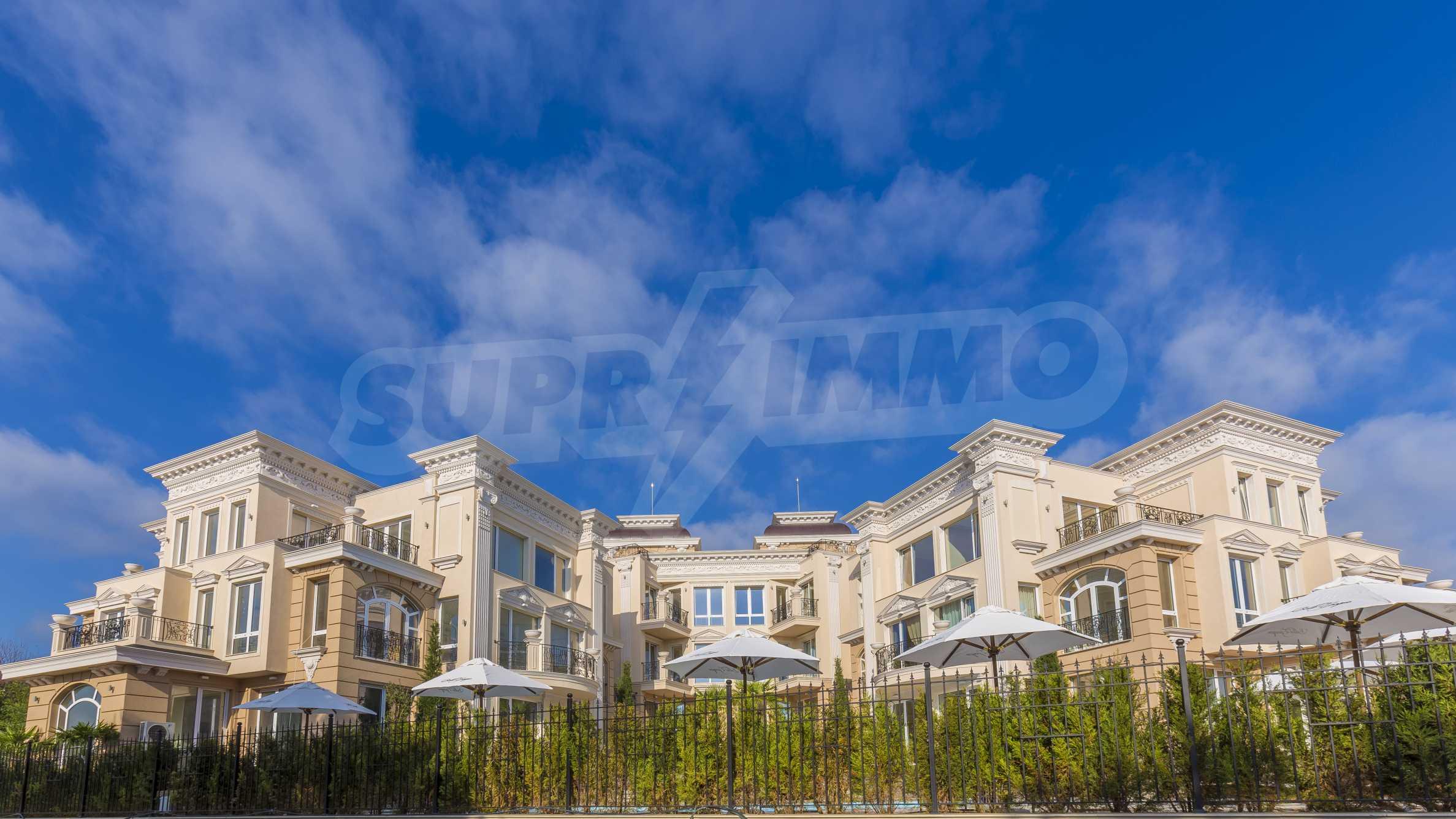 Exclusive 2-bedroom beachfront apartment in the prestigious Belle Époque Beach Residence 41