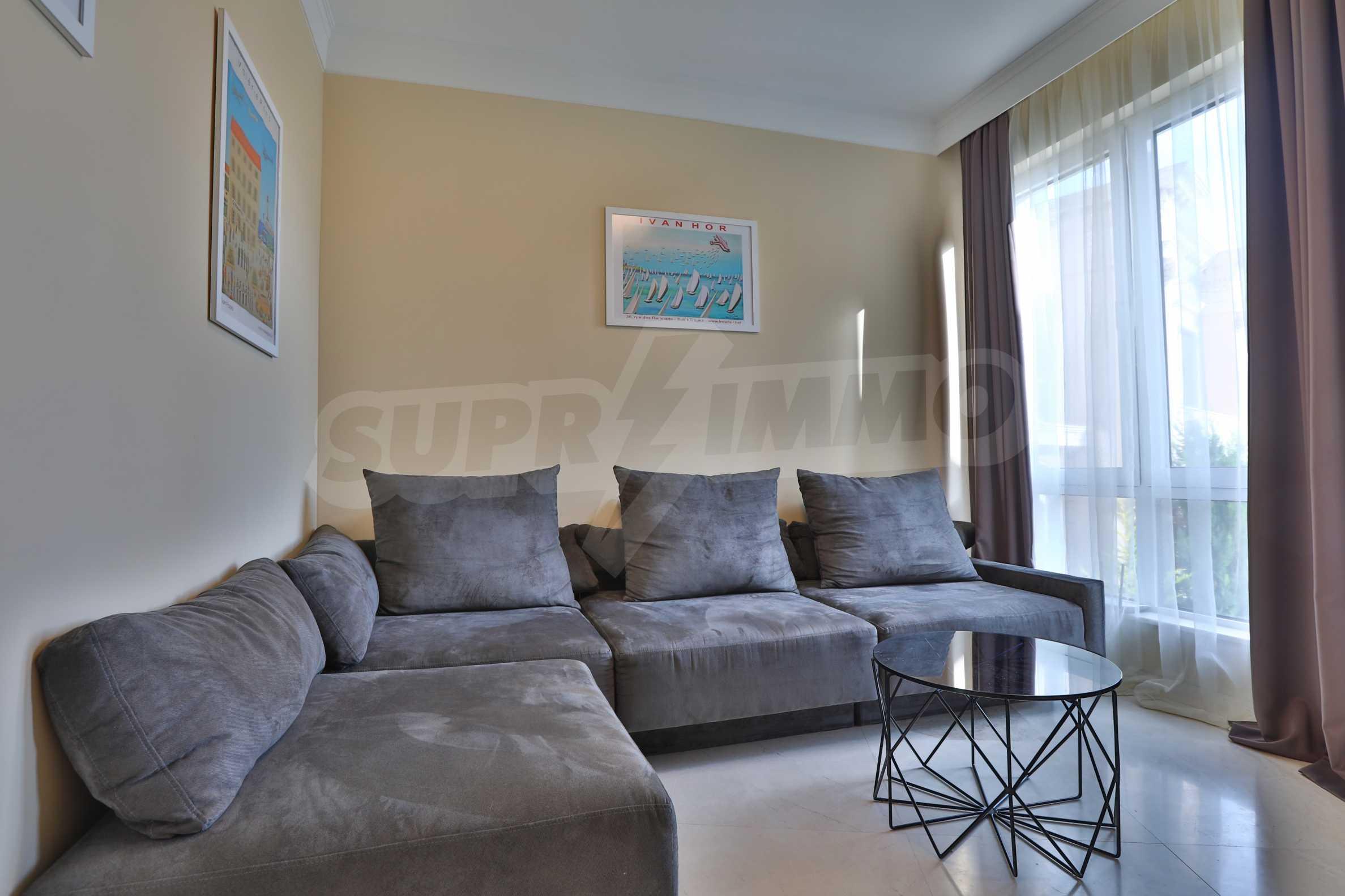 Дизайнерски апартамент с 2 спални в луксозната морска резиденция Belle Époque в Лозенец 6