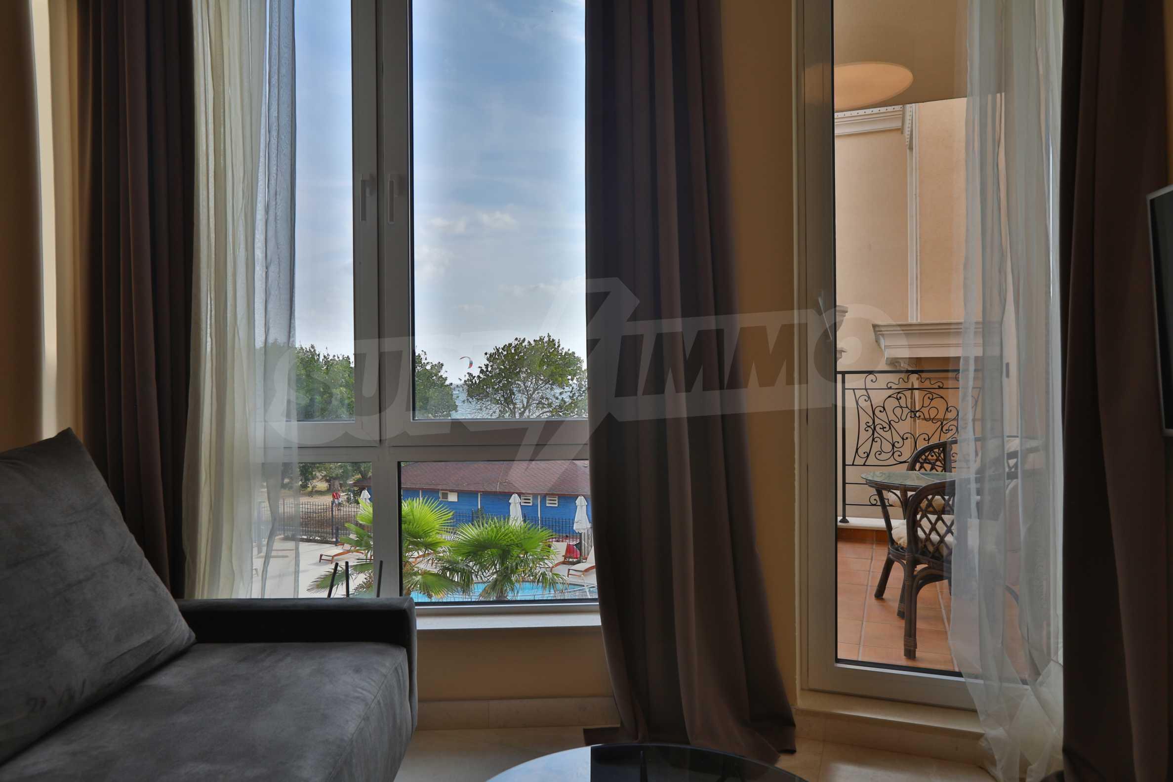 Дизайнерски апартамент с 2 спални в луксозната морска резиденция Belle Époque в Лозенец 8