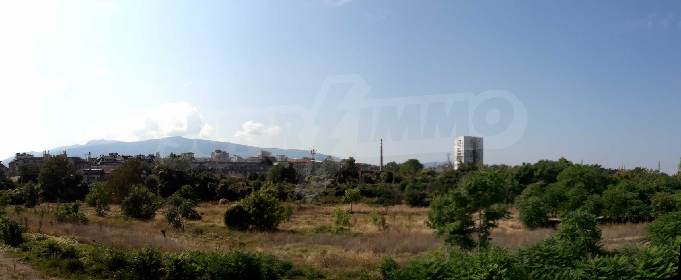 Two bedroom apartment with two terraces in a new complex near the center 8