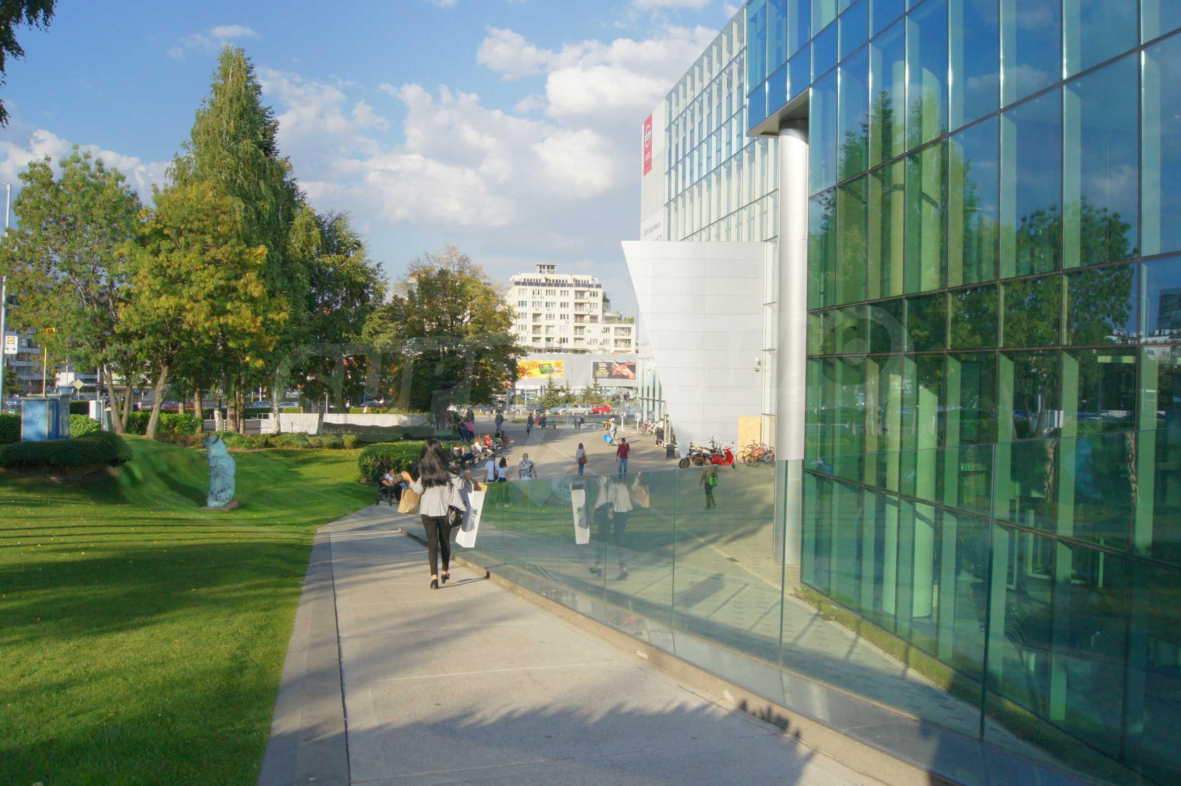 Двустаен апартамент в нова сграда на тиха улица до бул. България 8