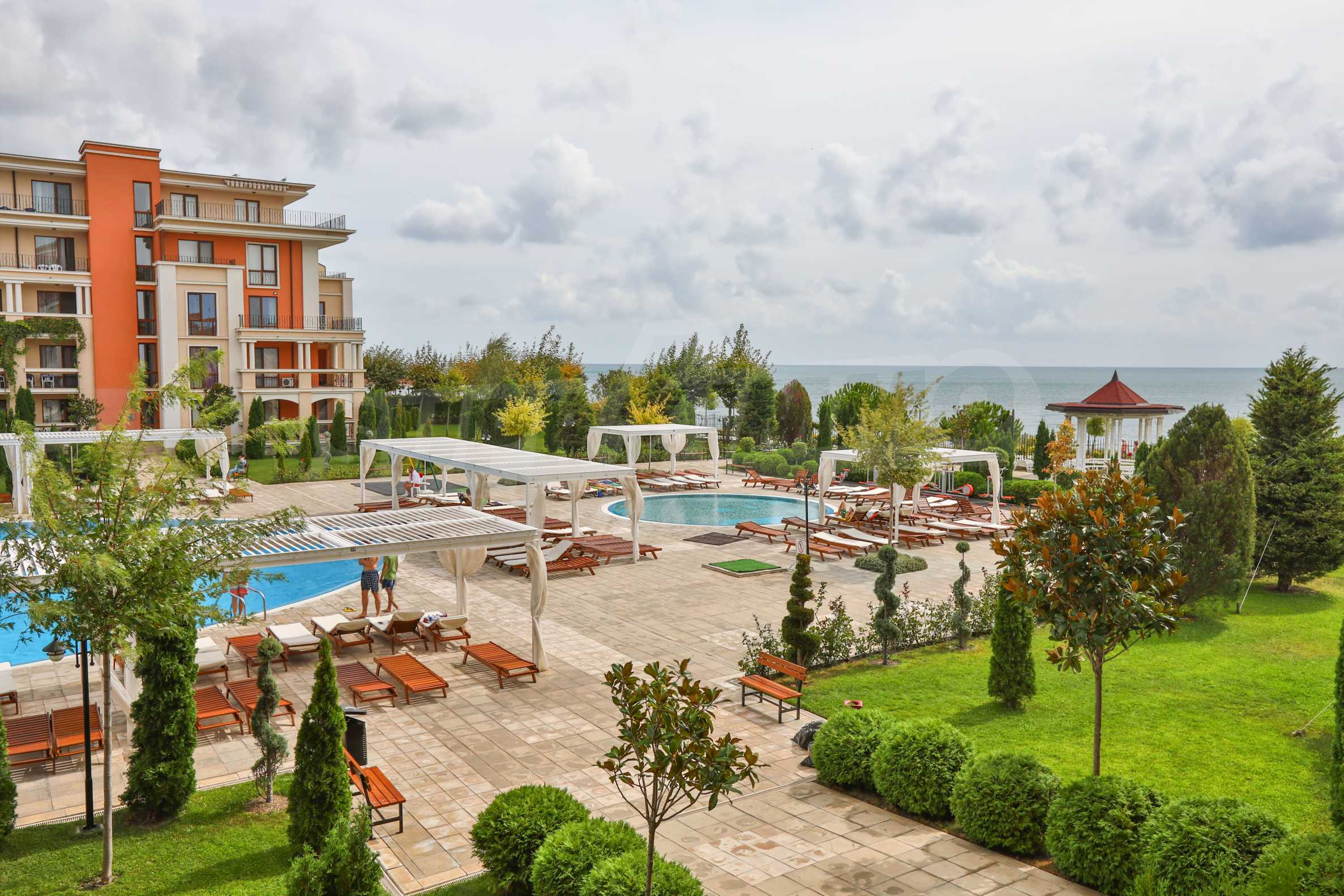 One-bedroom apartment in an elite beachfront complex in Sunny Beach