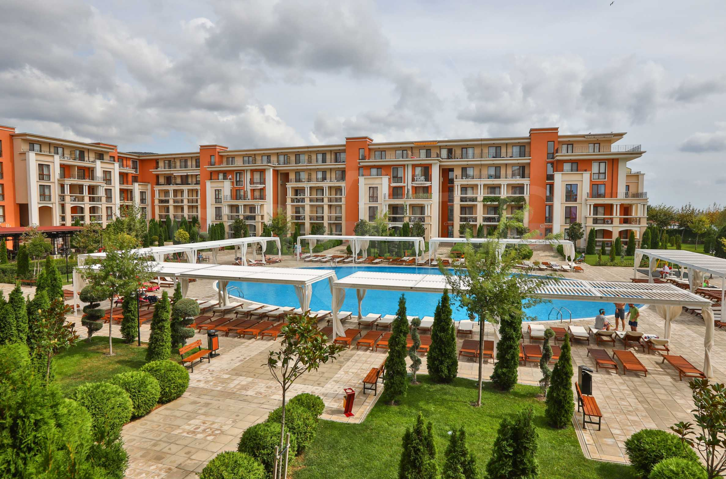 One-bedroom apartment in an elite beachfront complex in Sunny Beach 3