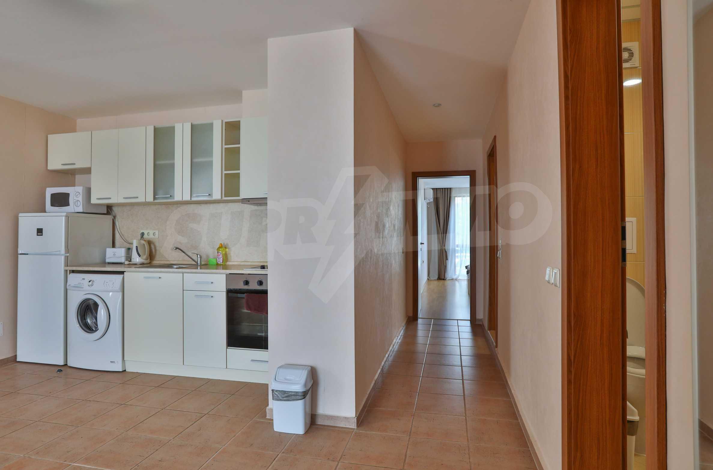 Просторен тристаен апартамент в елитен комплекс на метри от морето 8