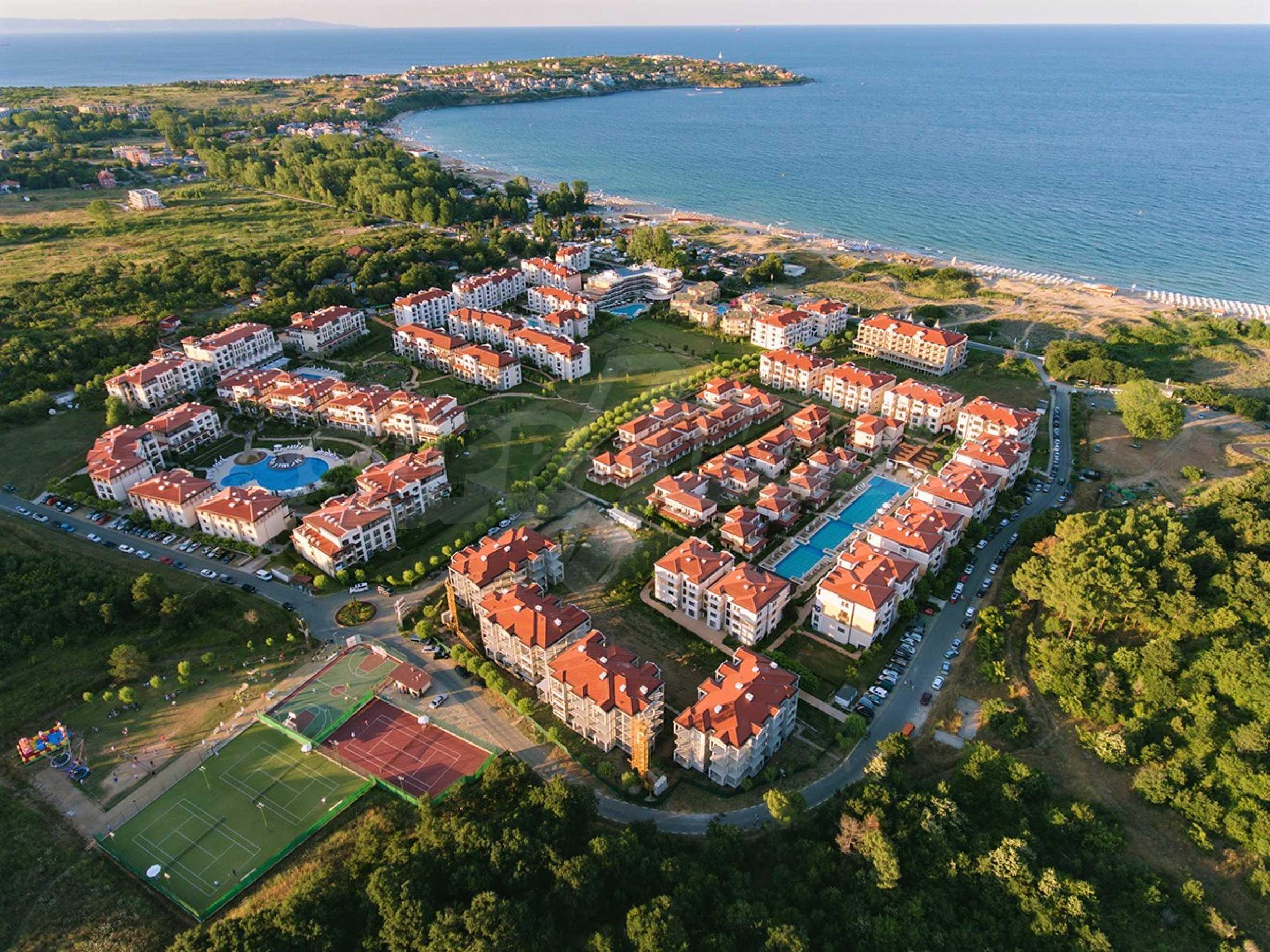 ПРОМО цени! Напълно завършена или нова къща в строеж на 100 метра от плажа 10