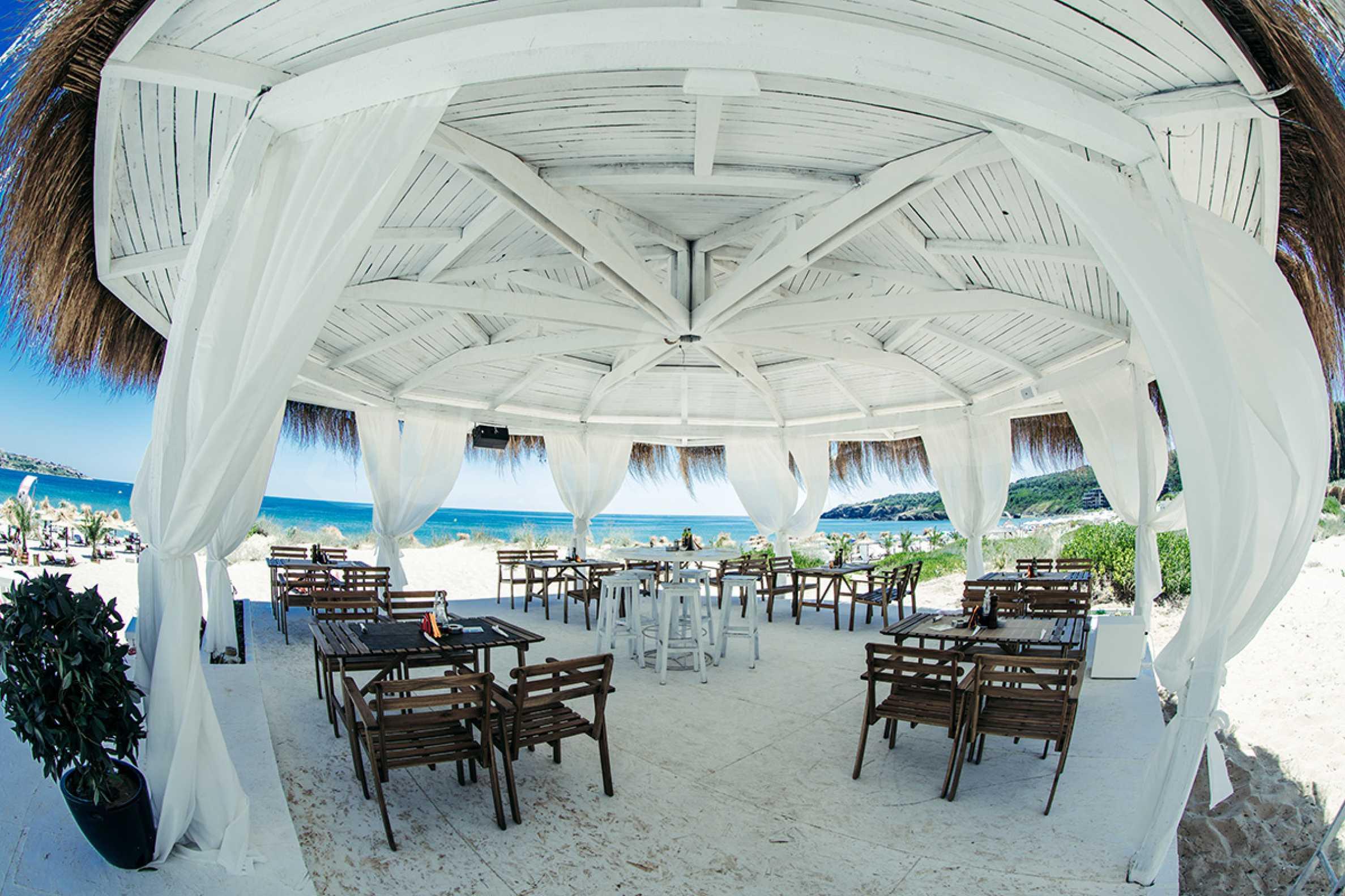 ПРОМО цени! Напълно завършена или нова къща в строеж на 100 метра от плажа 21