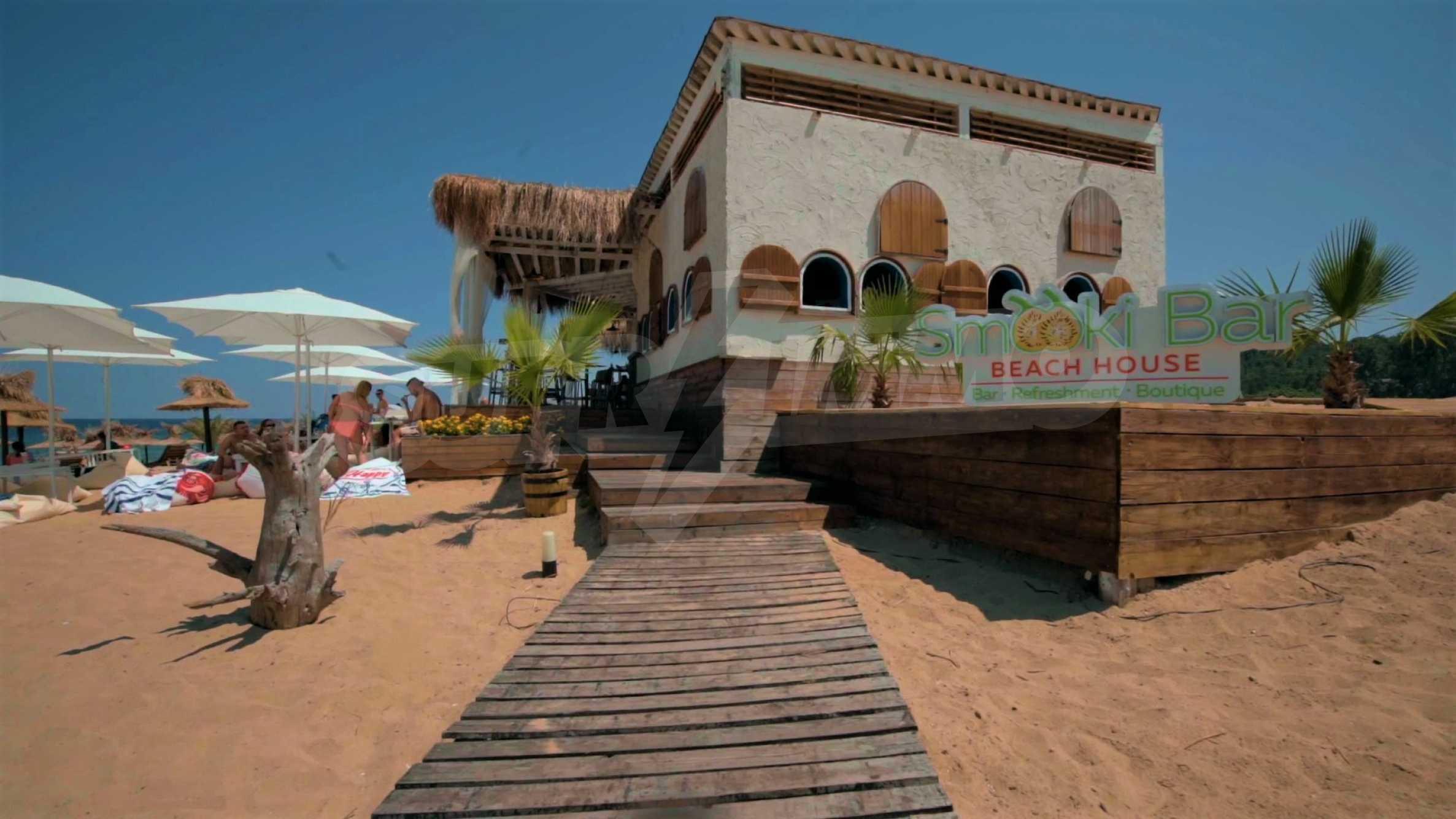 ПРОМО цени! Напълно завършена или нова къща в строеж на 100 метра от плажа 26