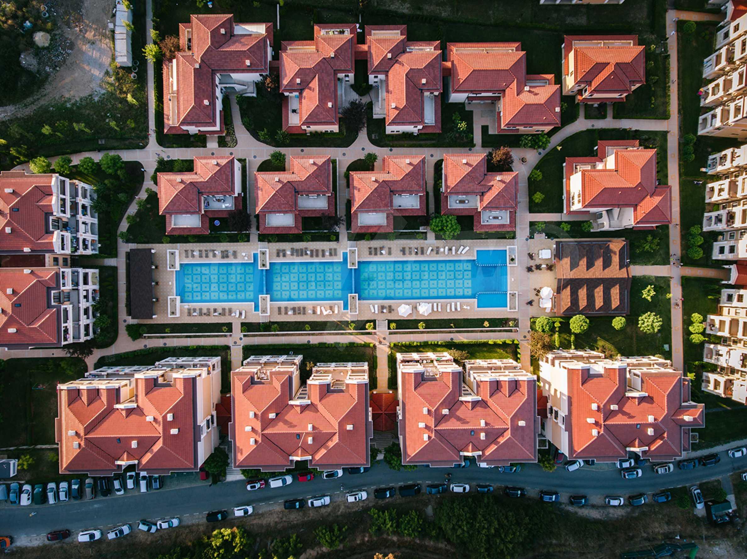 ПРОМО цени! Напълно завършена или нова къща в строеж на 100 метра от плажа 27