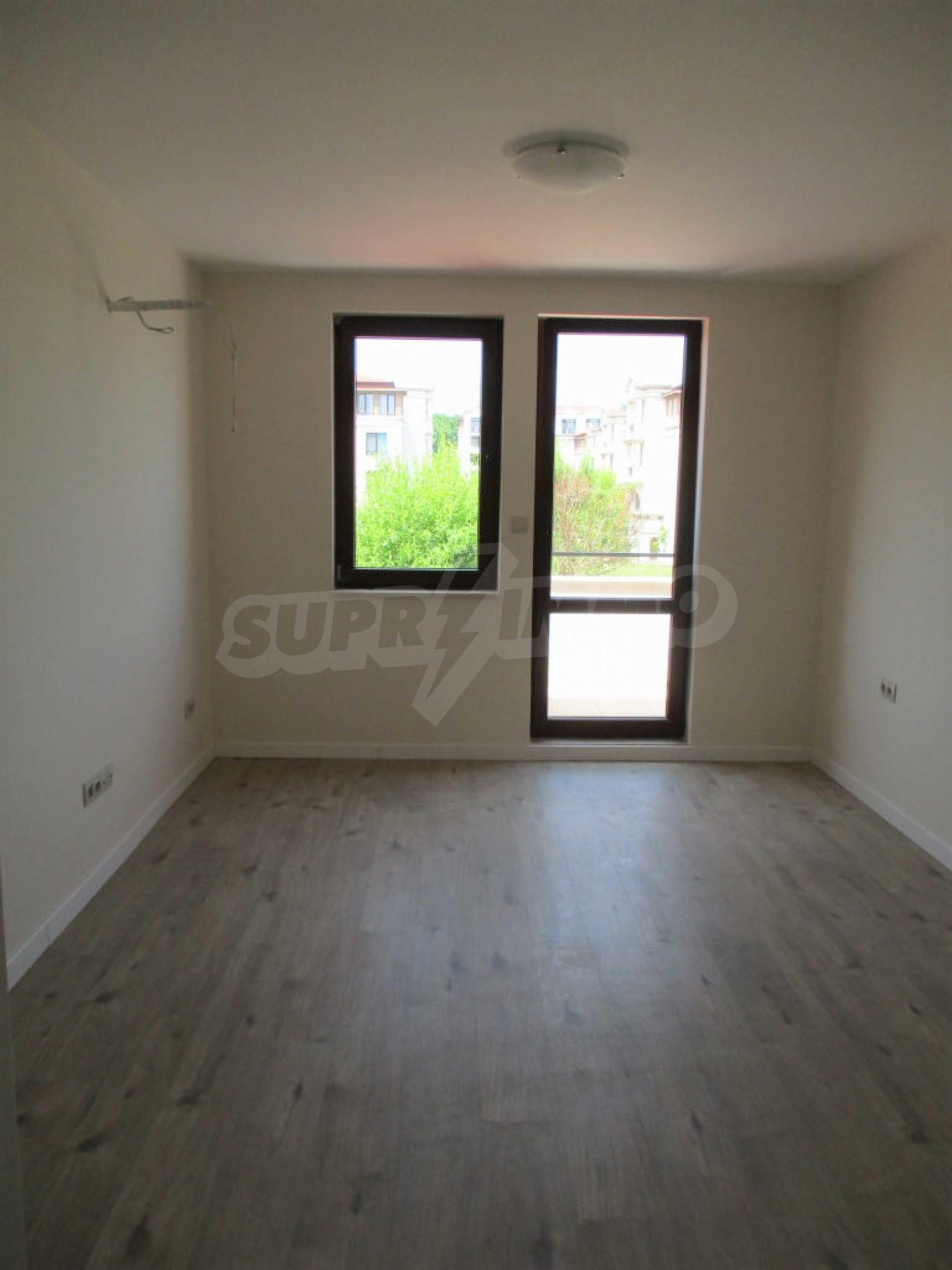 ПРОМО цени! Напълно завършена или нова къща в строеж на 100 метра от плажа 42