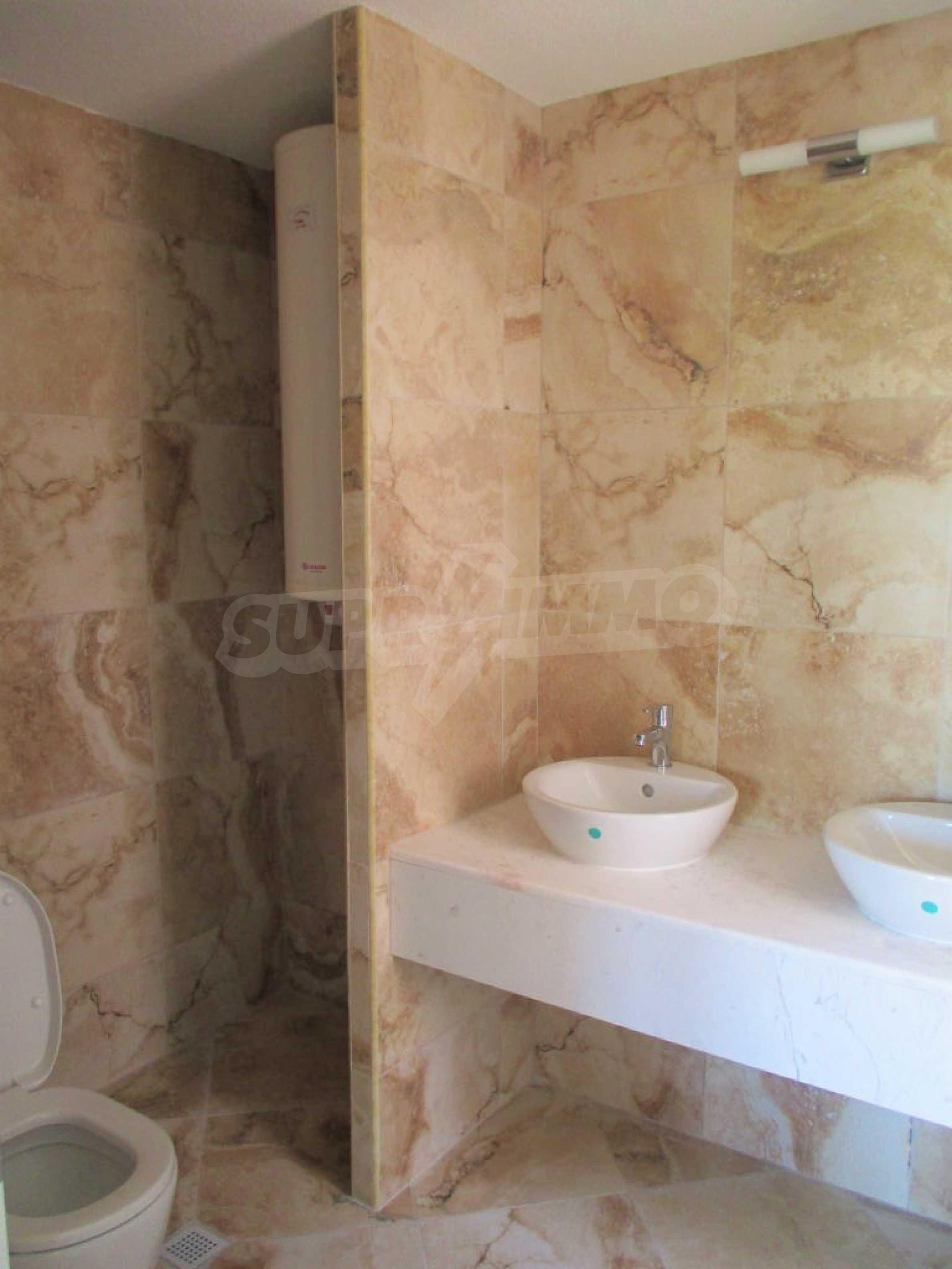 ПРОМО цени! Напълно завършена или нова къща в строеж на 100 метра от плажа 44