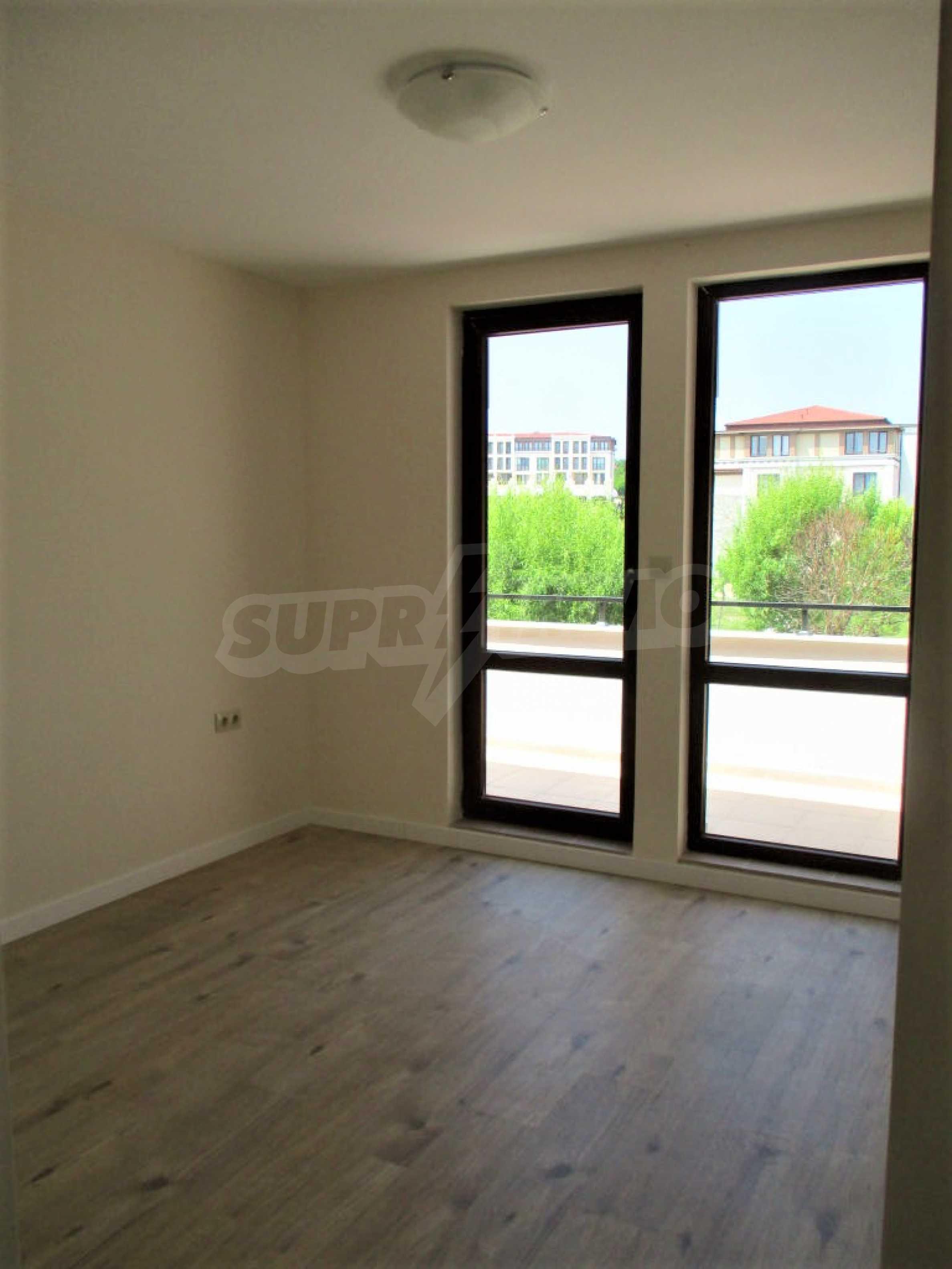 ПРОМО цени! Напълно завършена или нова къща в строеж на 100 метра от плажа 47