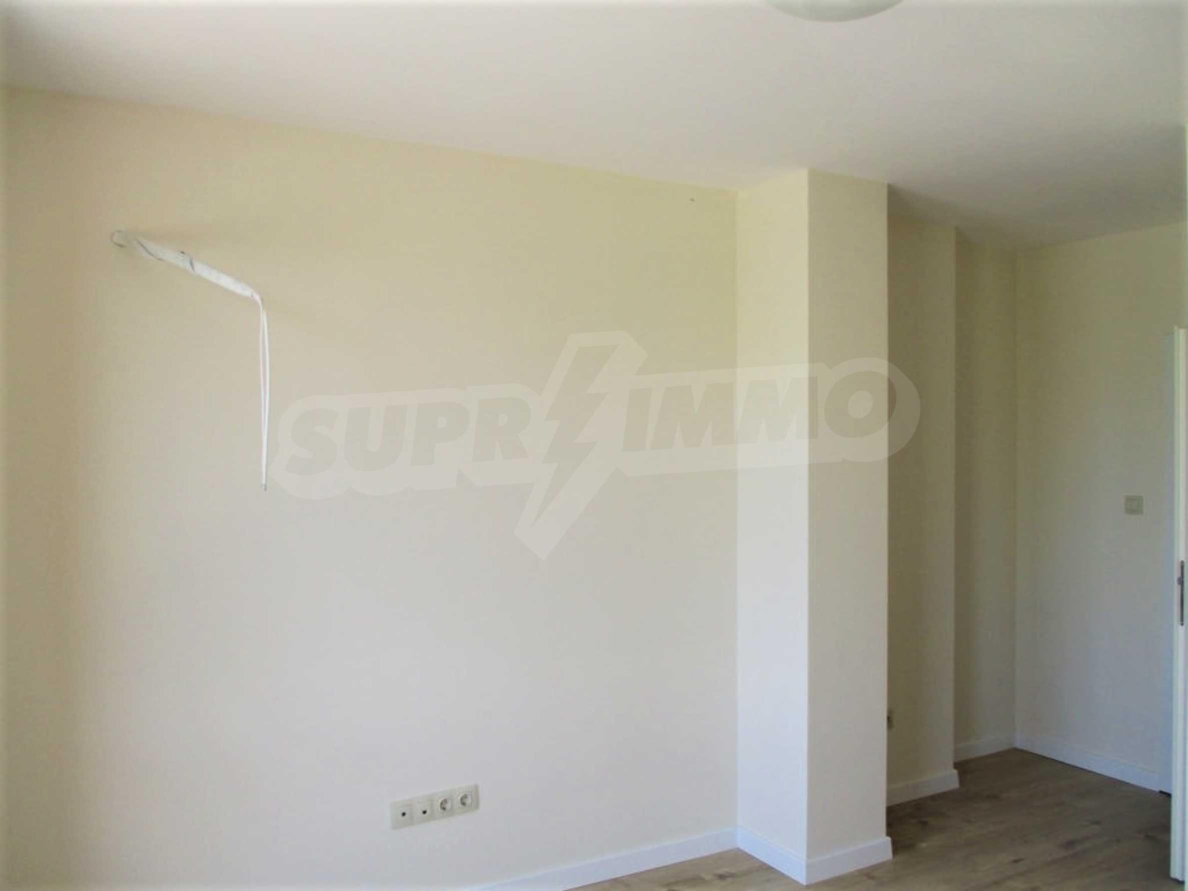 ПРОМО цени! Напълно завършена или нова къща в строеж на 100 метра от плажа 51