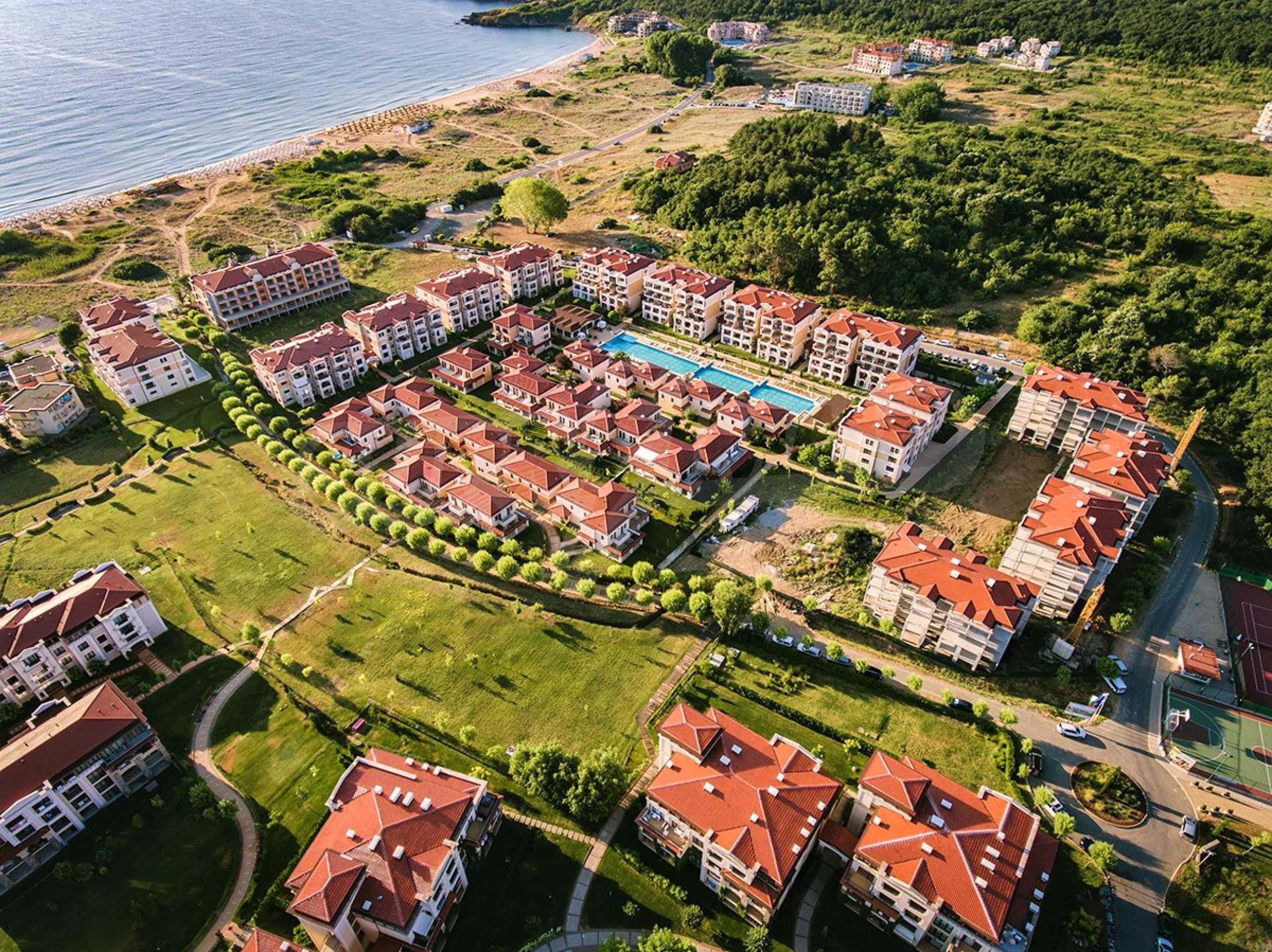 ПРОМО цени! Напълно завършена или нова къща в строеж на 100 метра от плажа 6