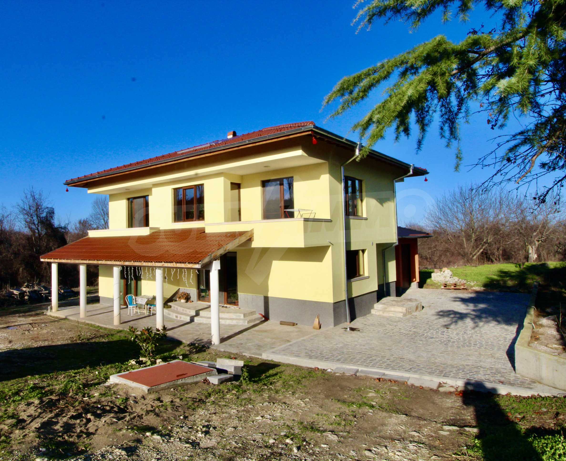 Newly built two-storey house with two garages in Dragizhevo village 2