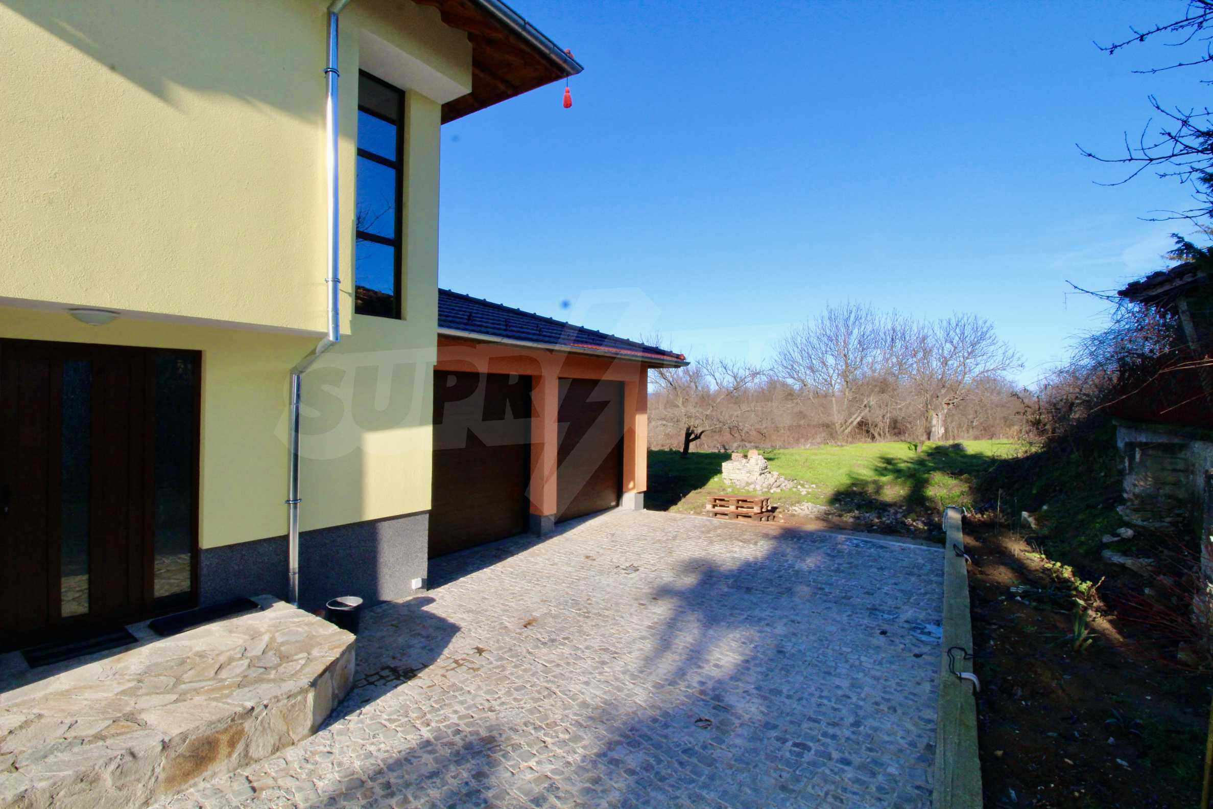Newly built two-storey house with two garages in Dragizhevo village 5