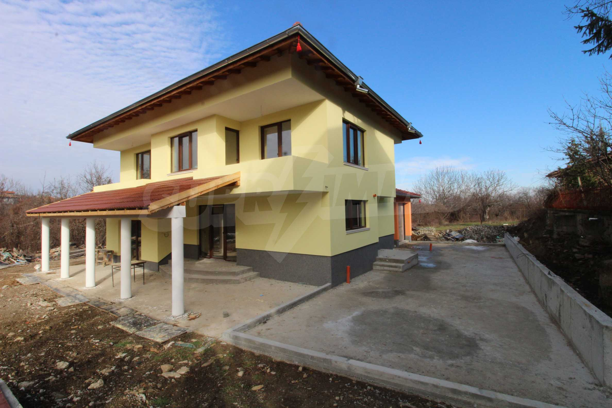 Newly built two-storey house with two garages in Dragizhevo village 67