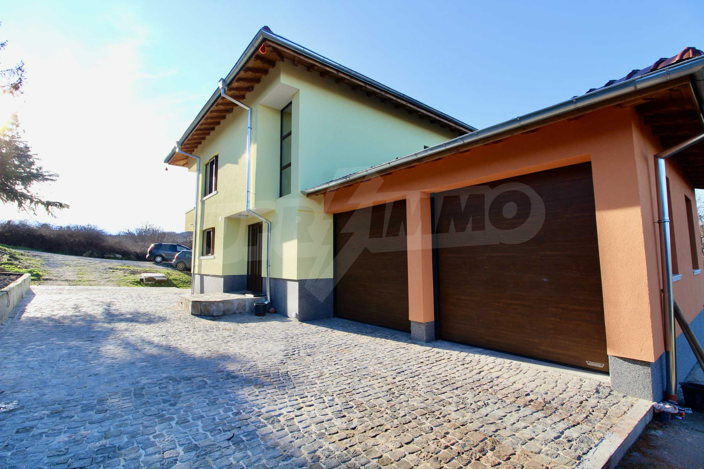 Newly built two-storey house with two garages in Dragizhevo village 6