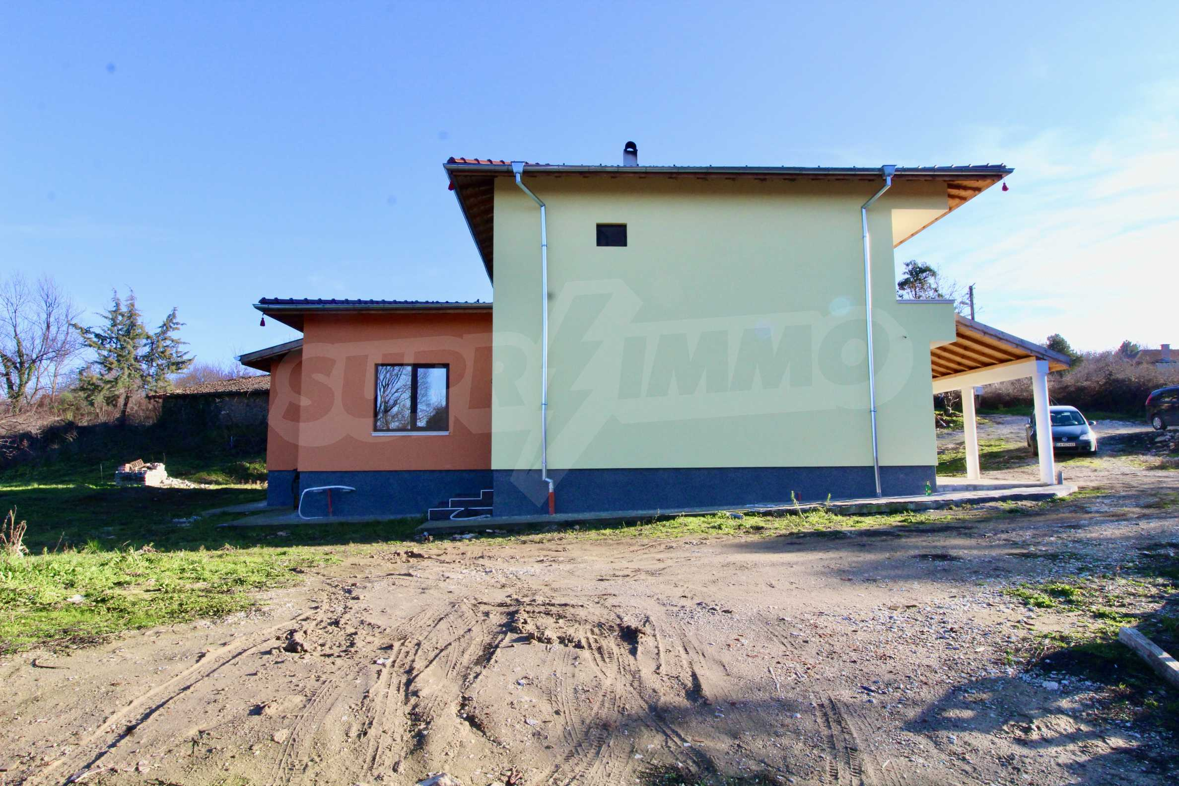 Newly built two-storey house with two garages in Dragizhevo village 7