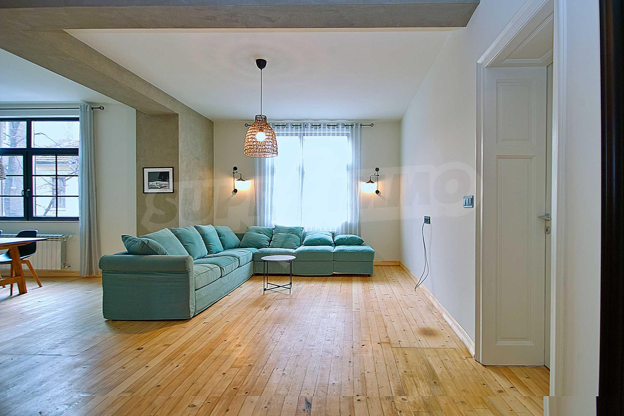 Möblierte Wohnung mit zwei Schlafzimmern in der Mitte 18