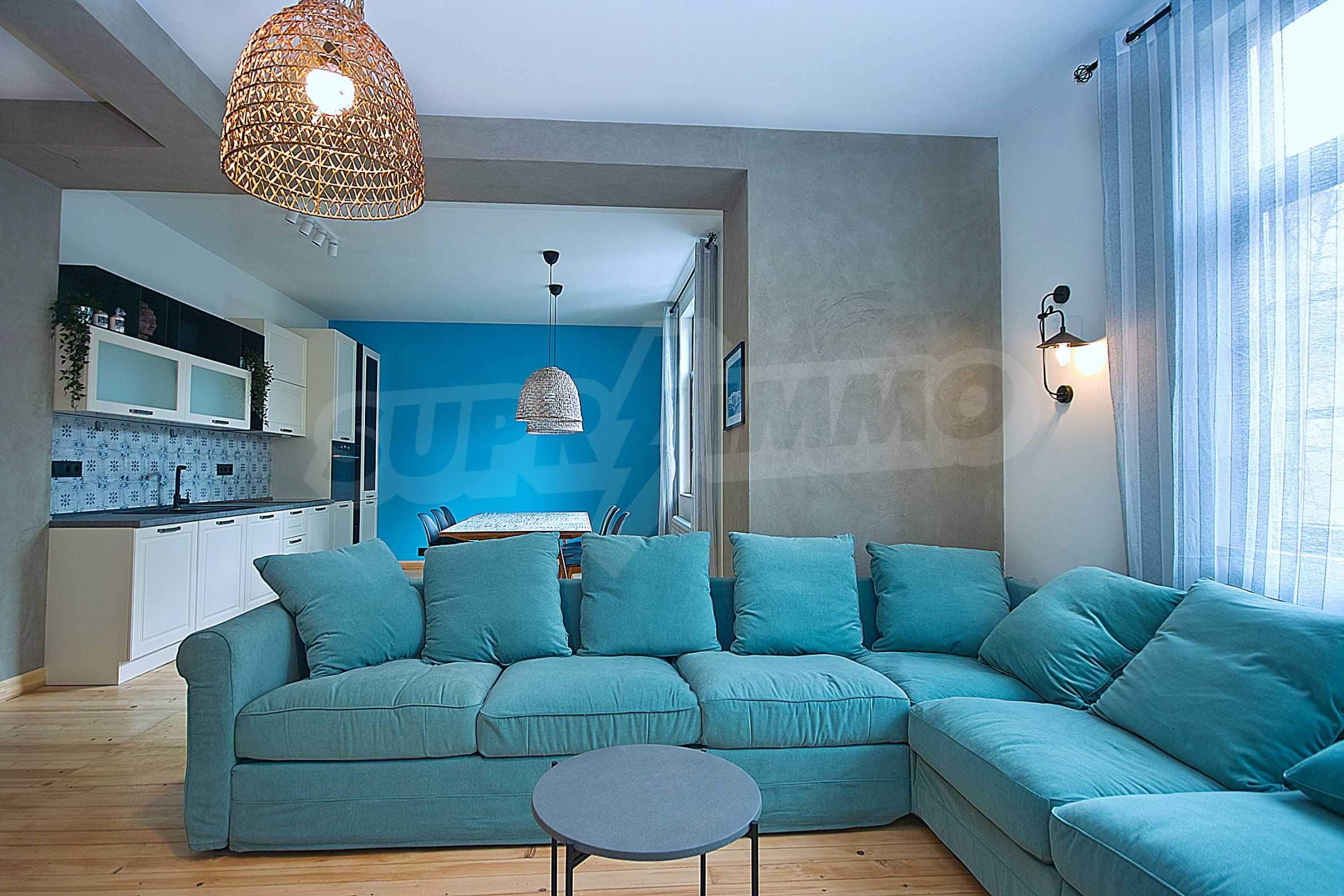 Möblierte Wohnung mit zwei Schlafzimmern in der Mitte 1