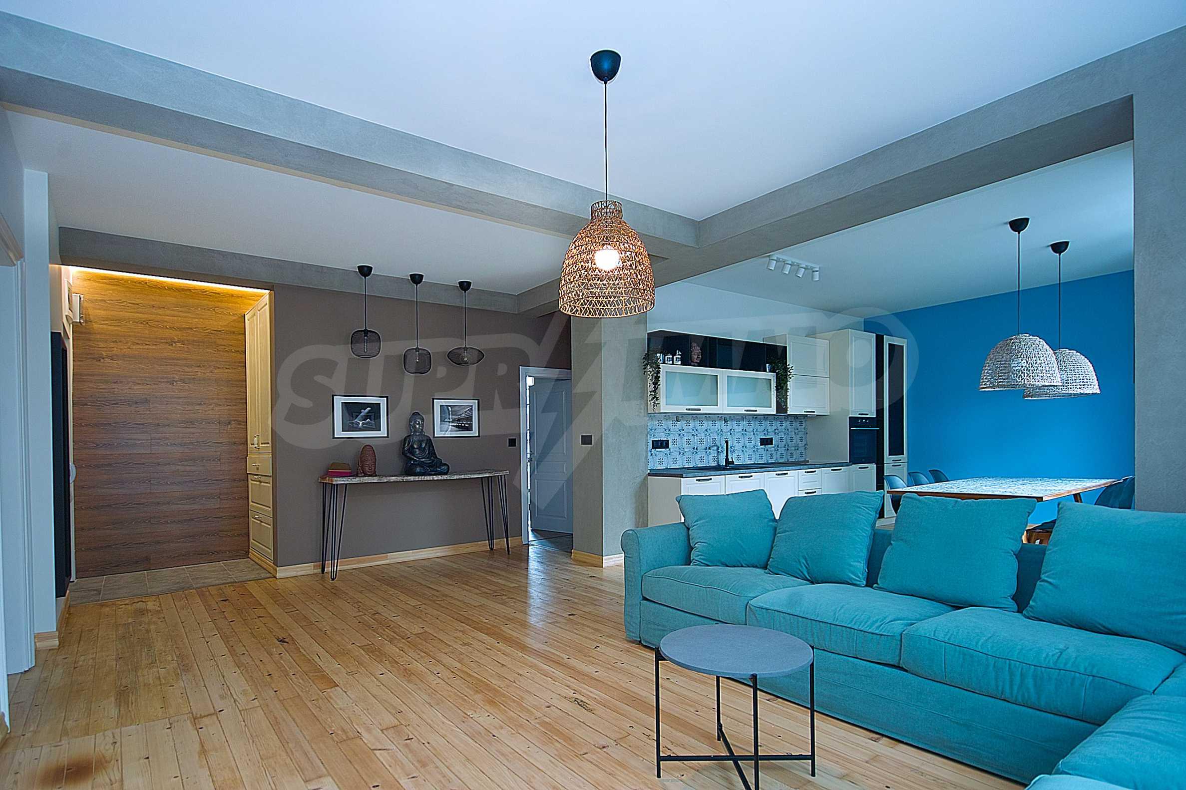 Möblierte Wohnung mit zwei Schlafzimmern in der Mitte 2