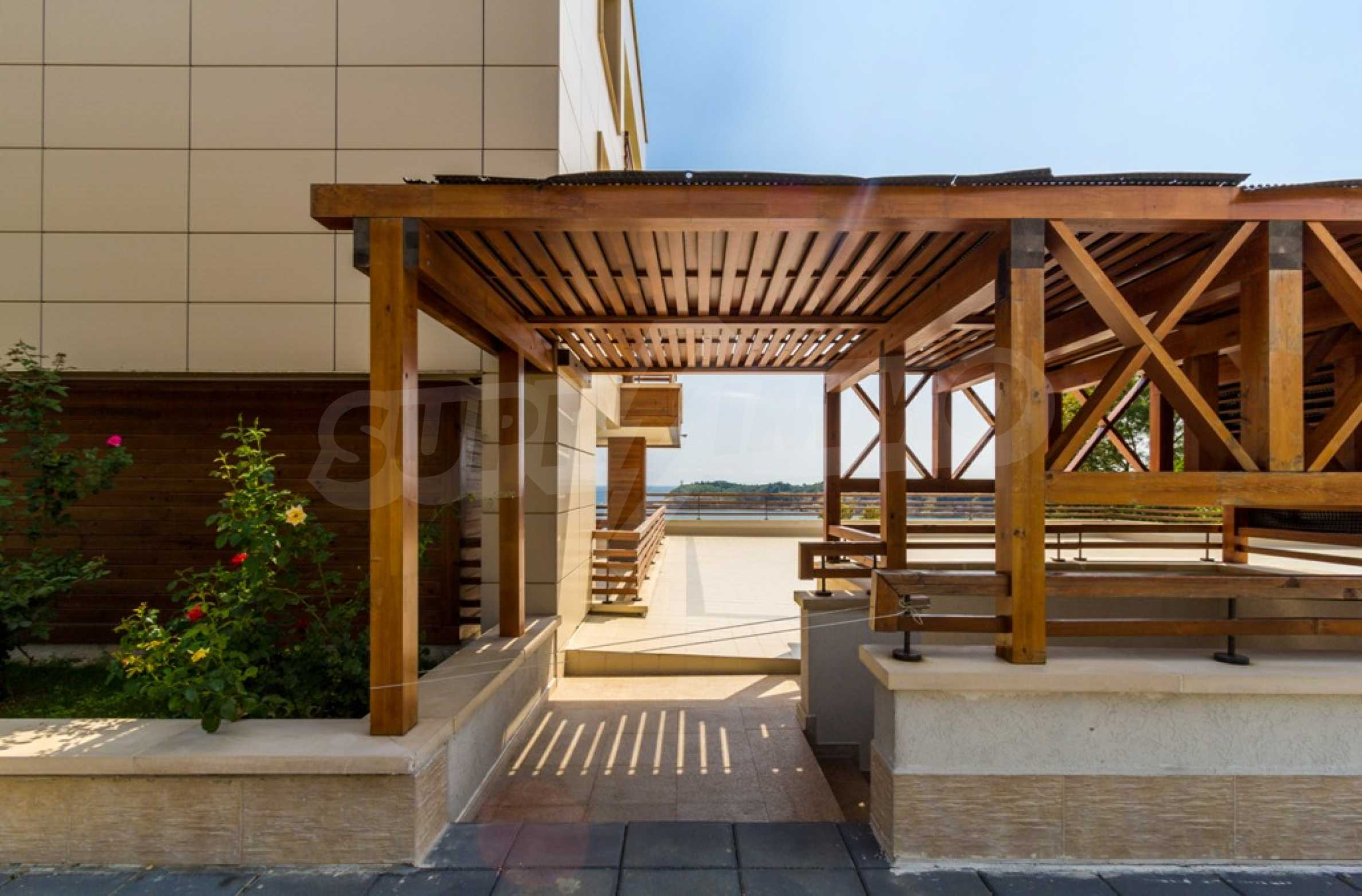 Two-bedroom apartment with sea views in Tsarevo resort 10