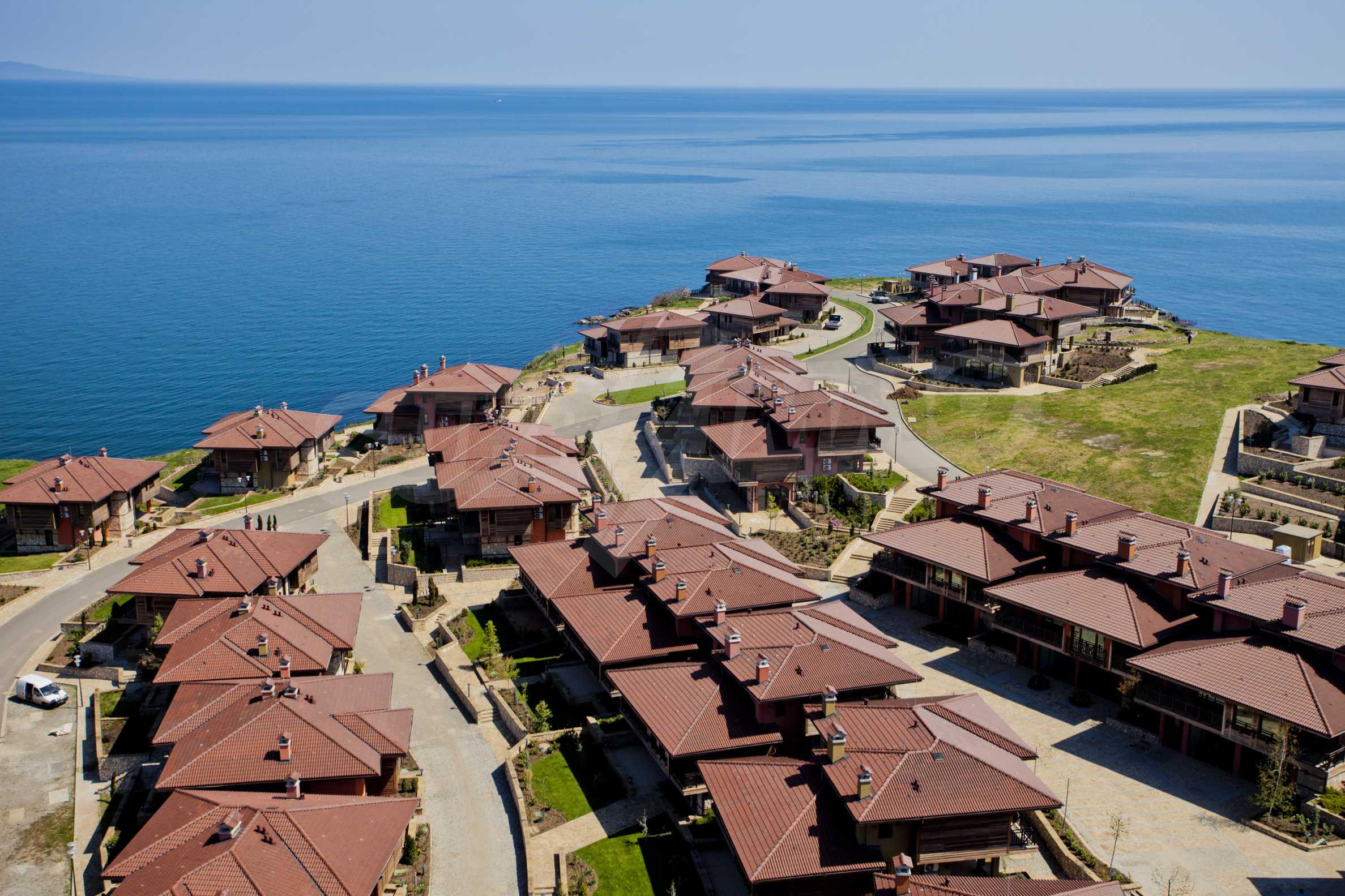 Sea view twin house in unique complex SOZOPOLIS (56A) 1