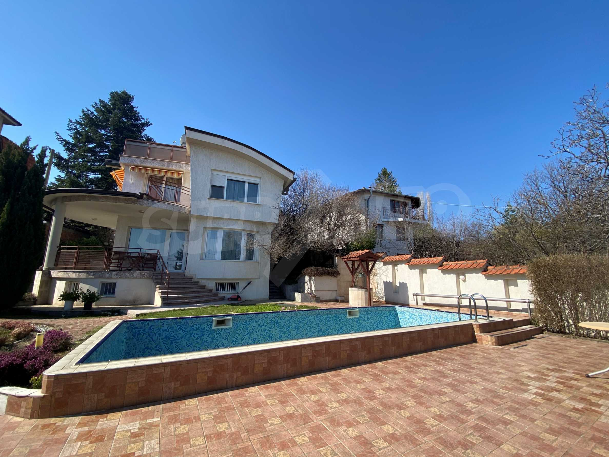 Family house with swimming pool in Dragalevtsi district